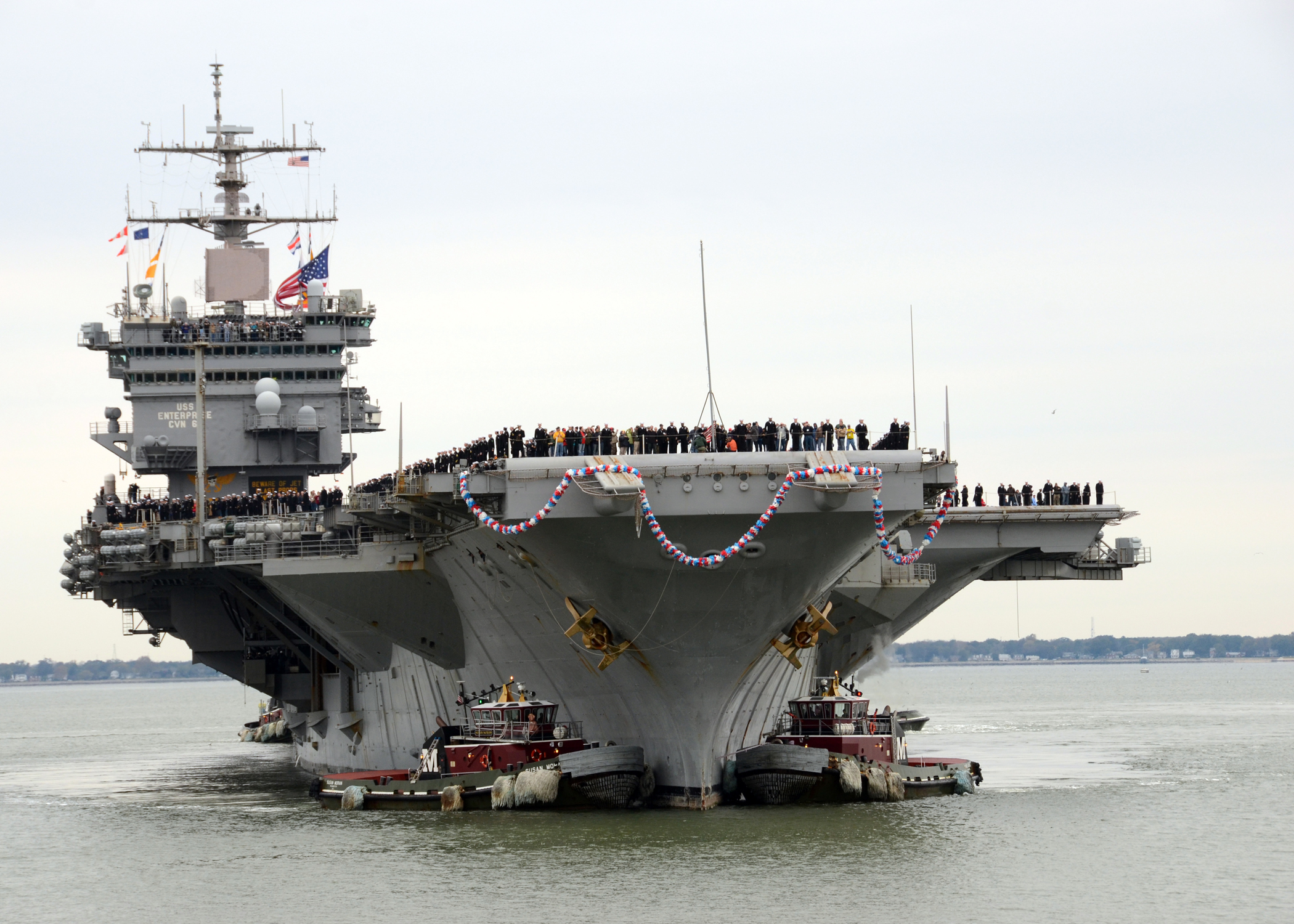 USS ENTERPRISE CVN-65 am 04.11.2012 in NorfolkBild: U.S. Navy