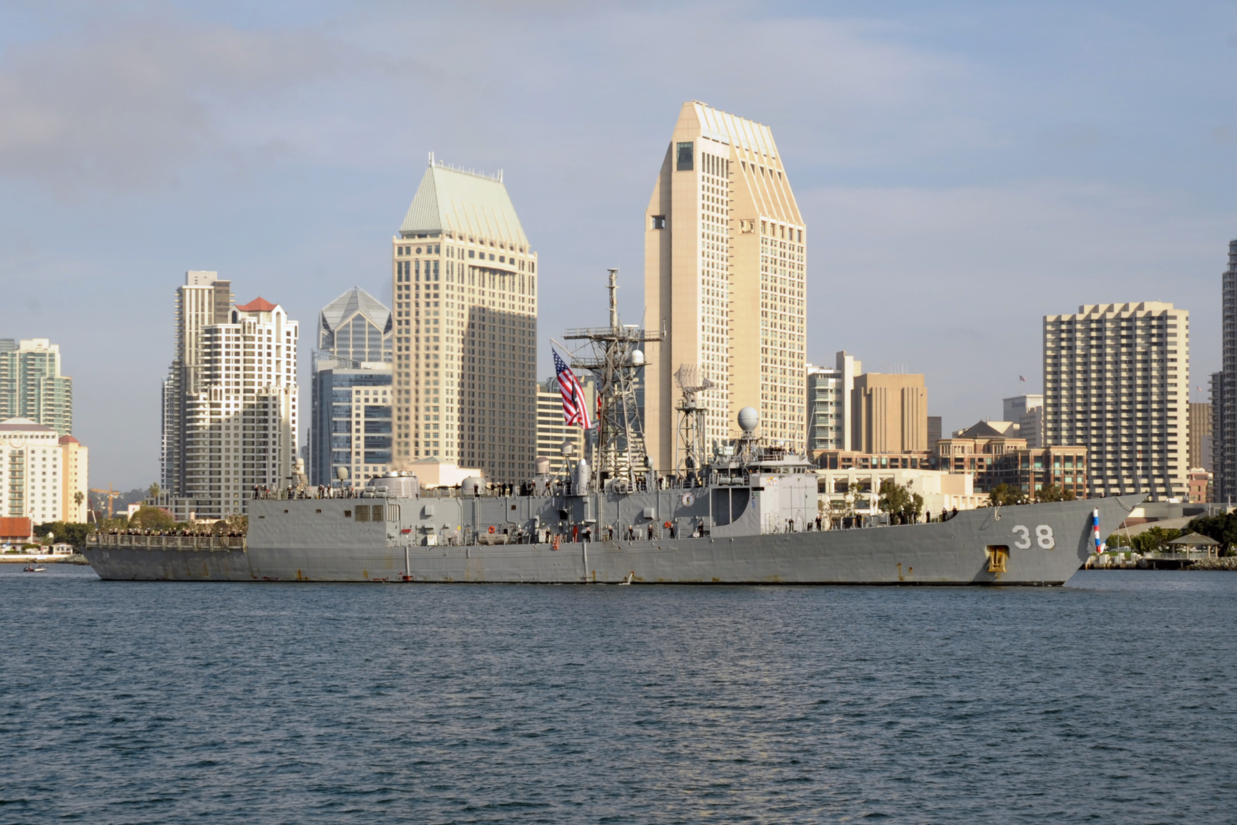 USS CURTS FFG-38 am 04.12.2012 in San DiegoBild: U.S. Navy