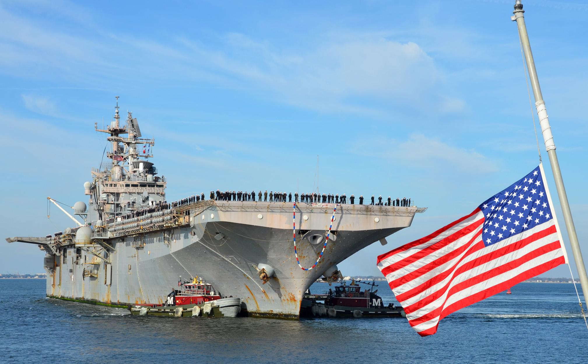 USS IWO JIMA LHD-7 Norfolk 20.12.2012Bild: U.S. Navy