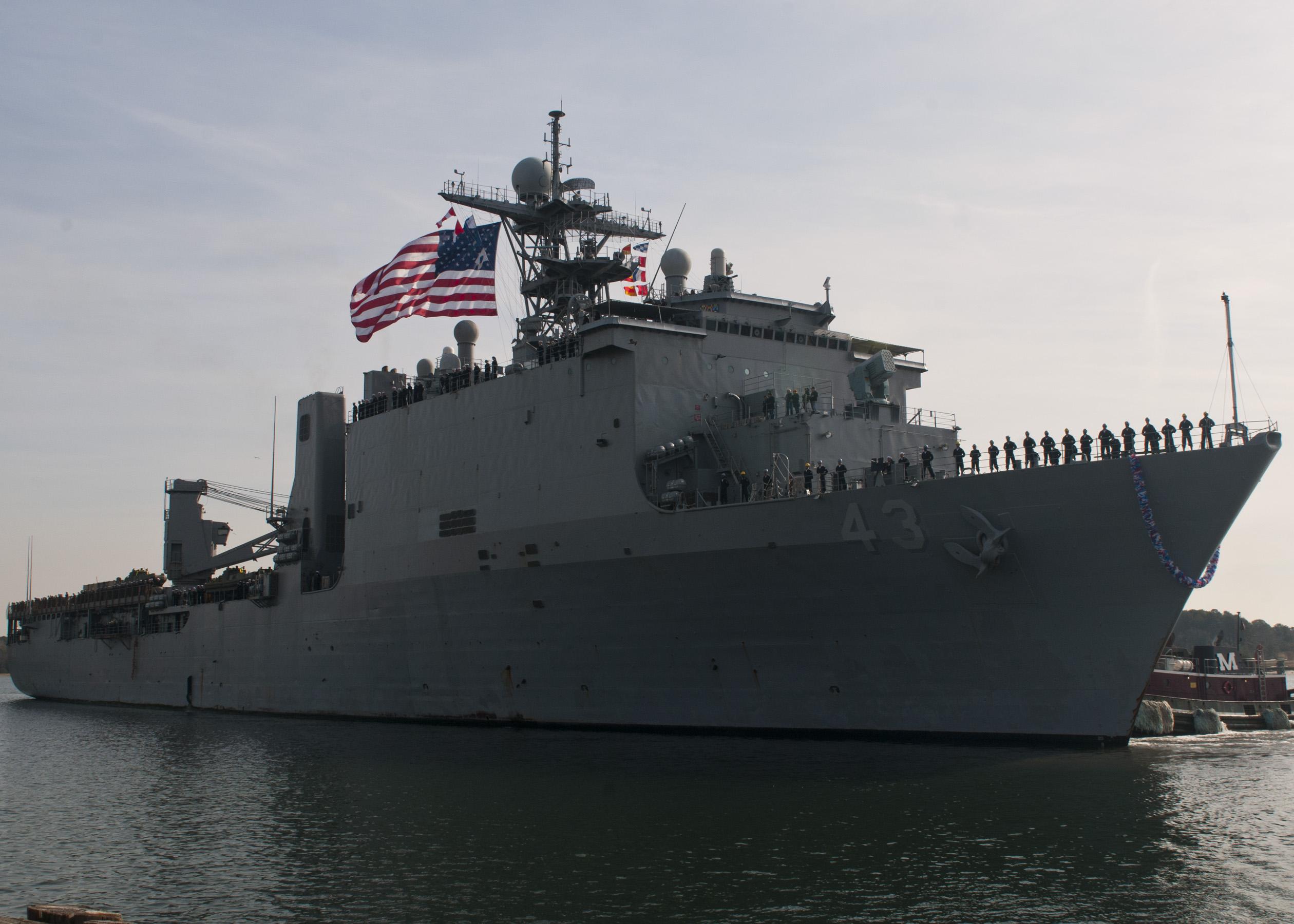 USS FORT McHENRY LSD-43 30.11.2012Bild: U.S. Navy