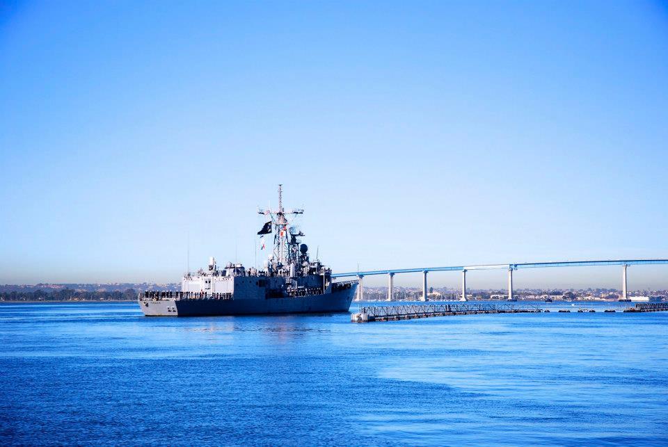 USS THACH FFG-43 Auslaufen San Diego 08.01.2013Bild: USS THACH Facebook page