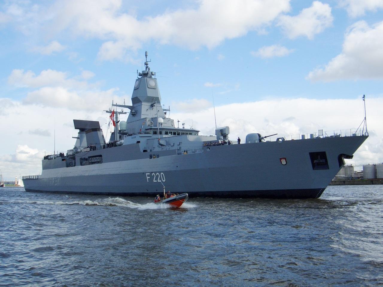 Fregatte HAMBURG F-220Bild: THW Hamburg Nord