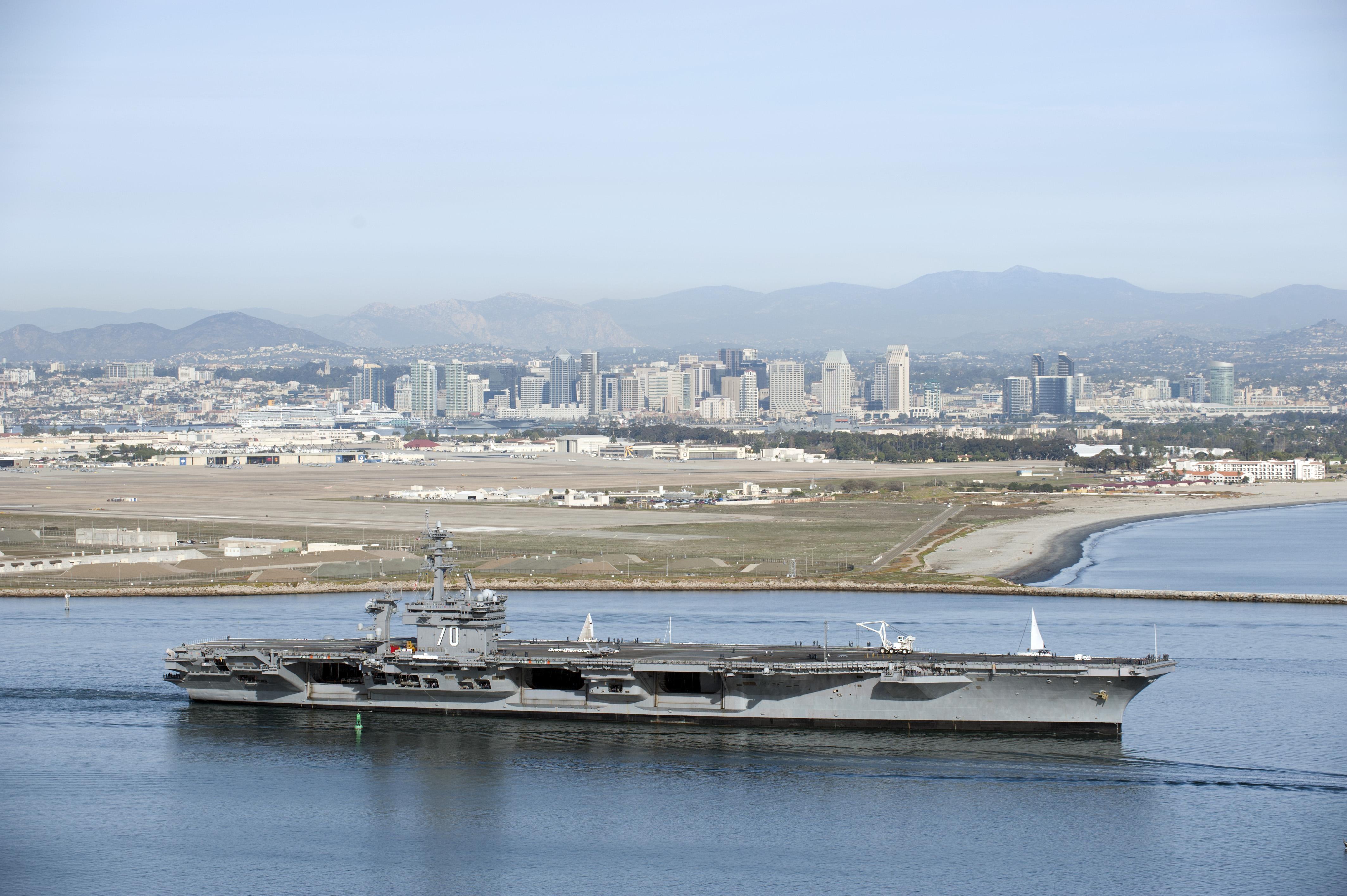 USS CARL VINSON CVN-70 am 01.02.2013 Bild: U.S. Navy