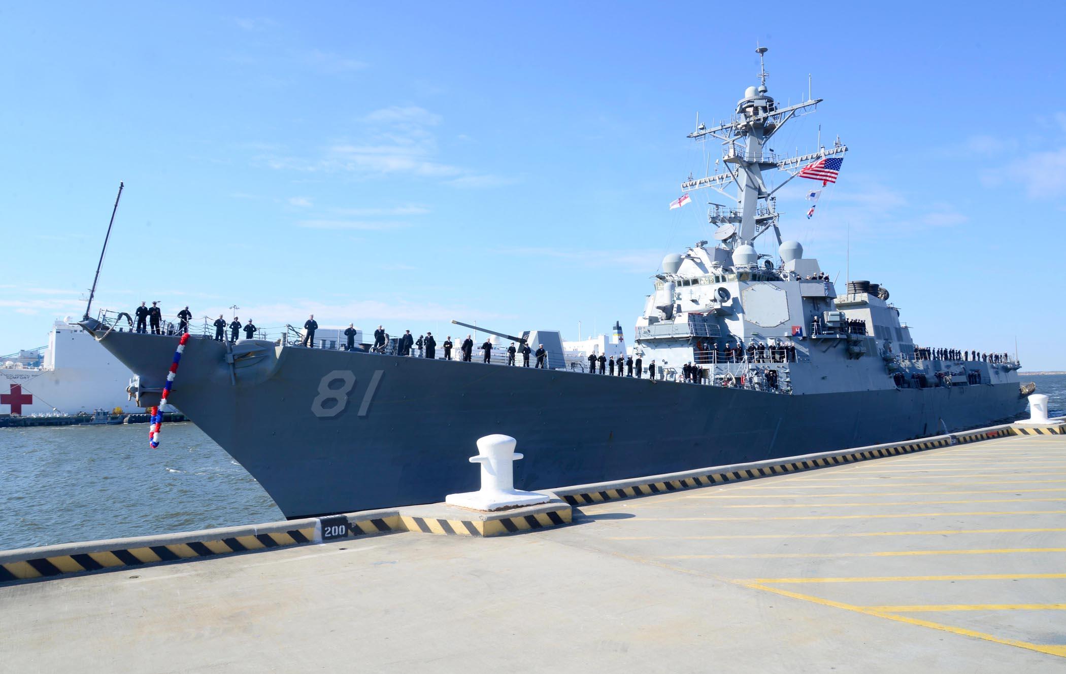 USS WINSTON S. CHURCHILL DDG-81 Einlaufen Norfolk 28.03.2013Bild: U.S. Navy