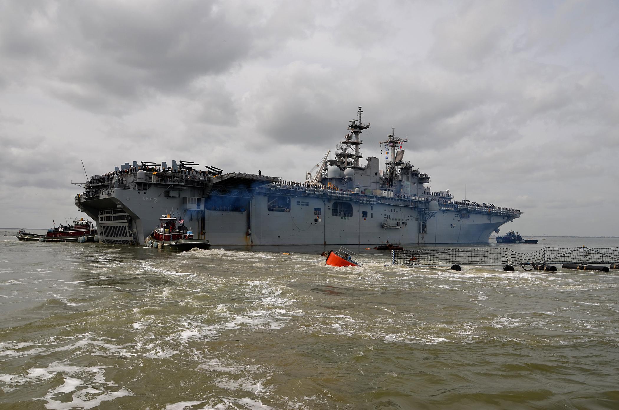 USS KEARSARGE LHD-3 Auslaufen am 11.03.2013Bild: U.S. Navy