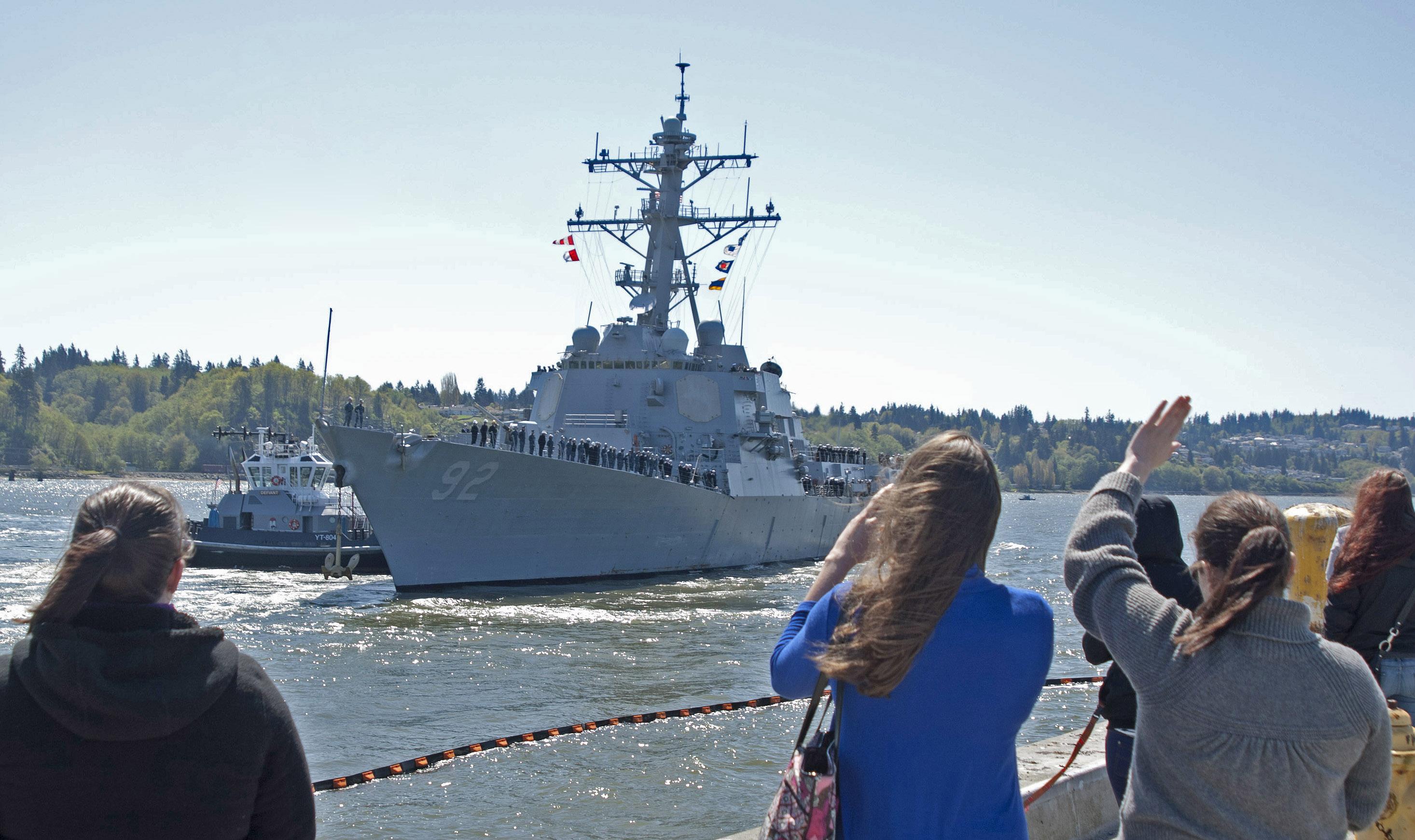 USS MOMSEN DDG-92 Auslaufe Everett 22.04.2013Bild: U.S. Navy