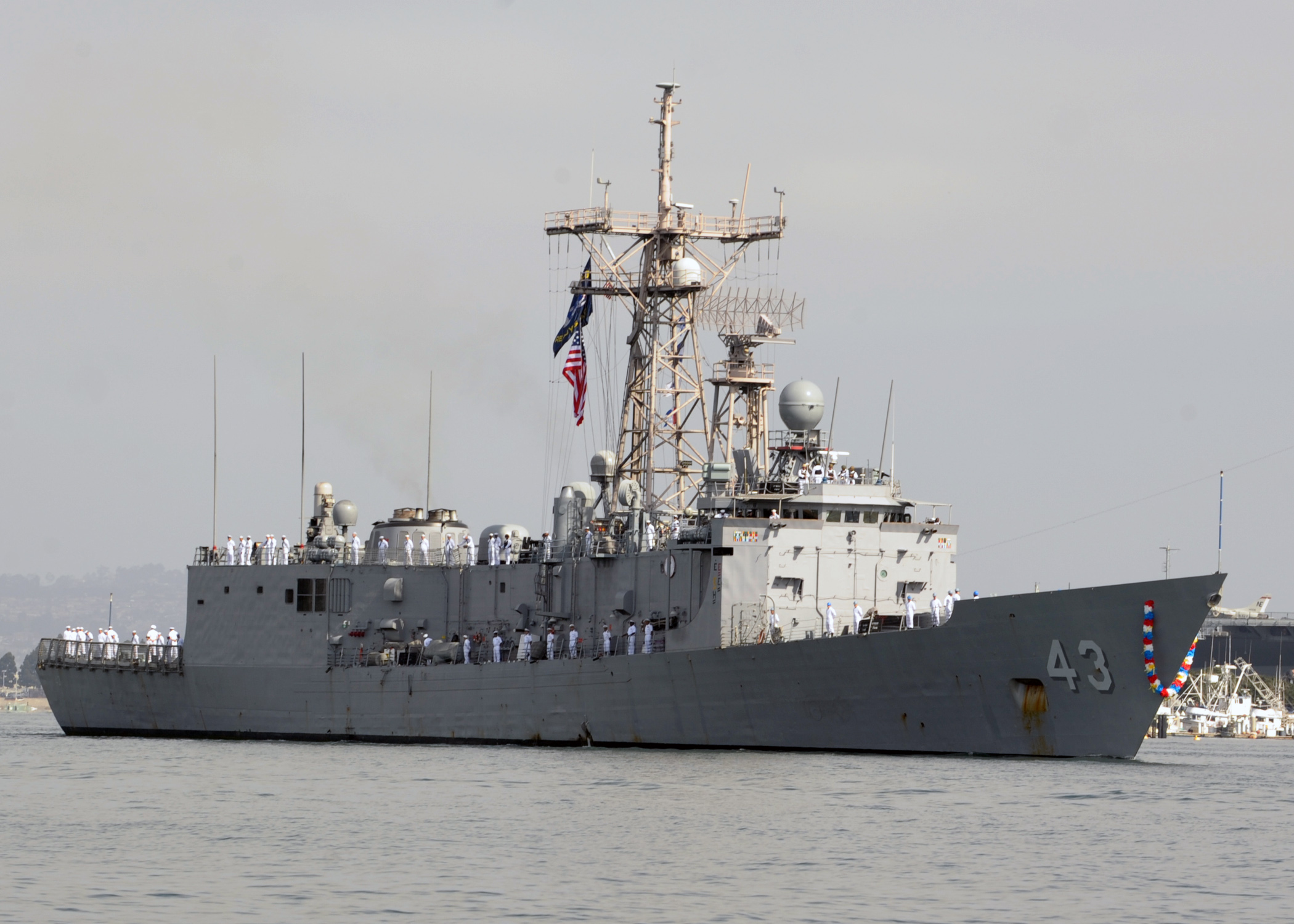 USS THACH FFG-43 Einlaufen San Diego 12.04.2013Bild: U.S. Navy