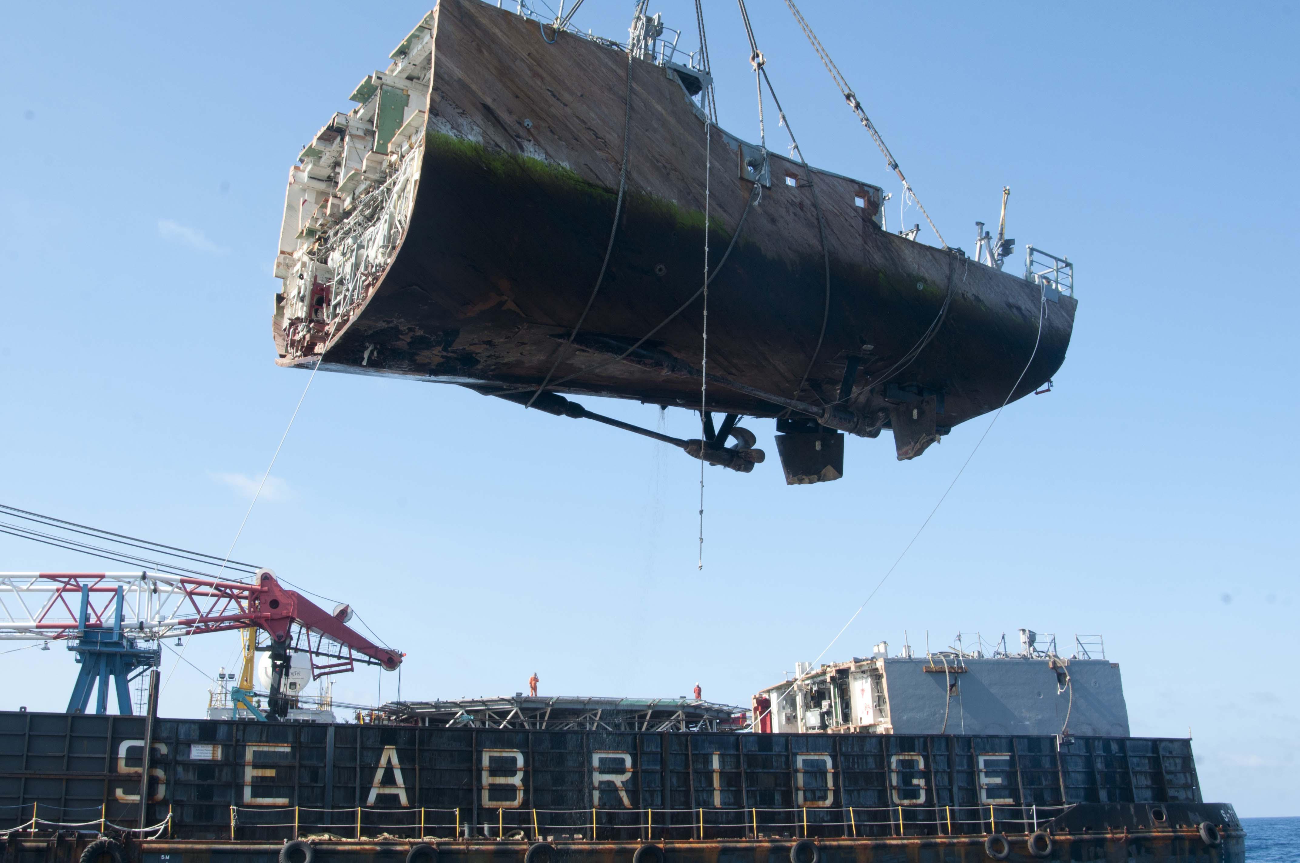 Abbruch USS GUARDIAN MCM-5Bild: U.S. Navy