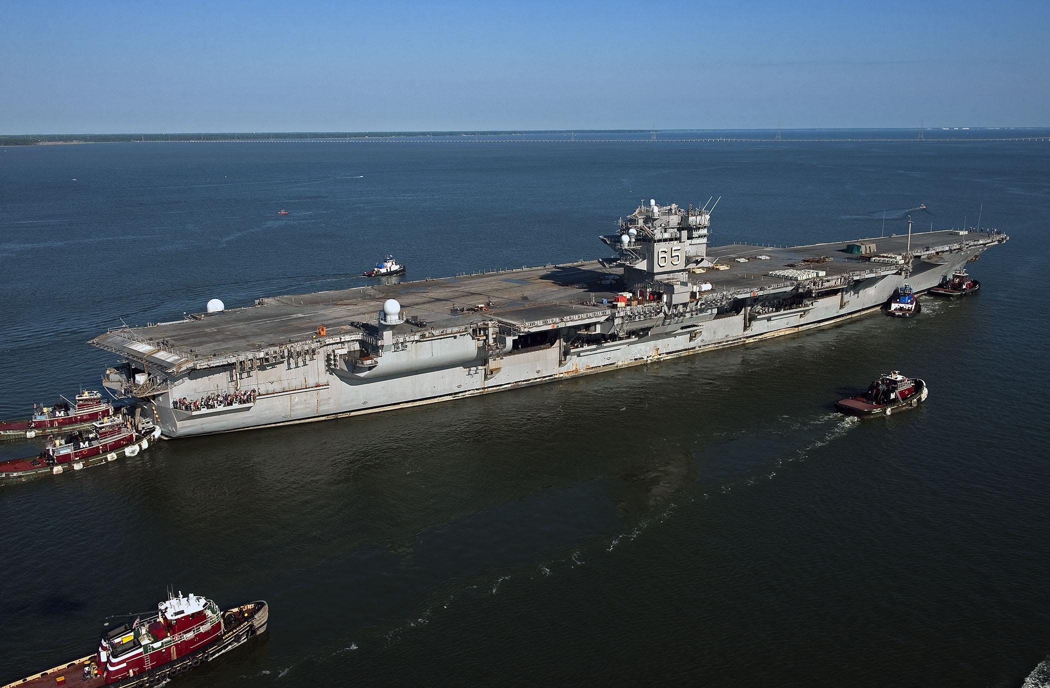 USS ENTERPRISE CVN-65 am 20.06.2013 auf seiner letzten FahrtBild: U.S. Navy