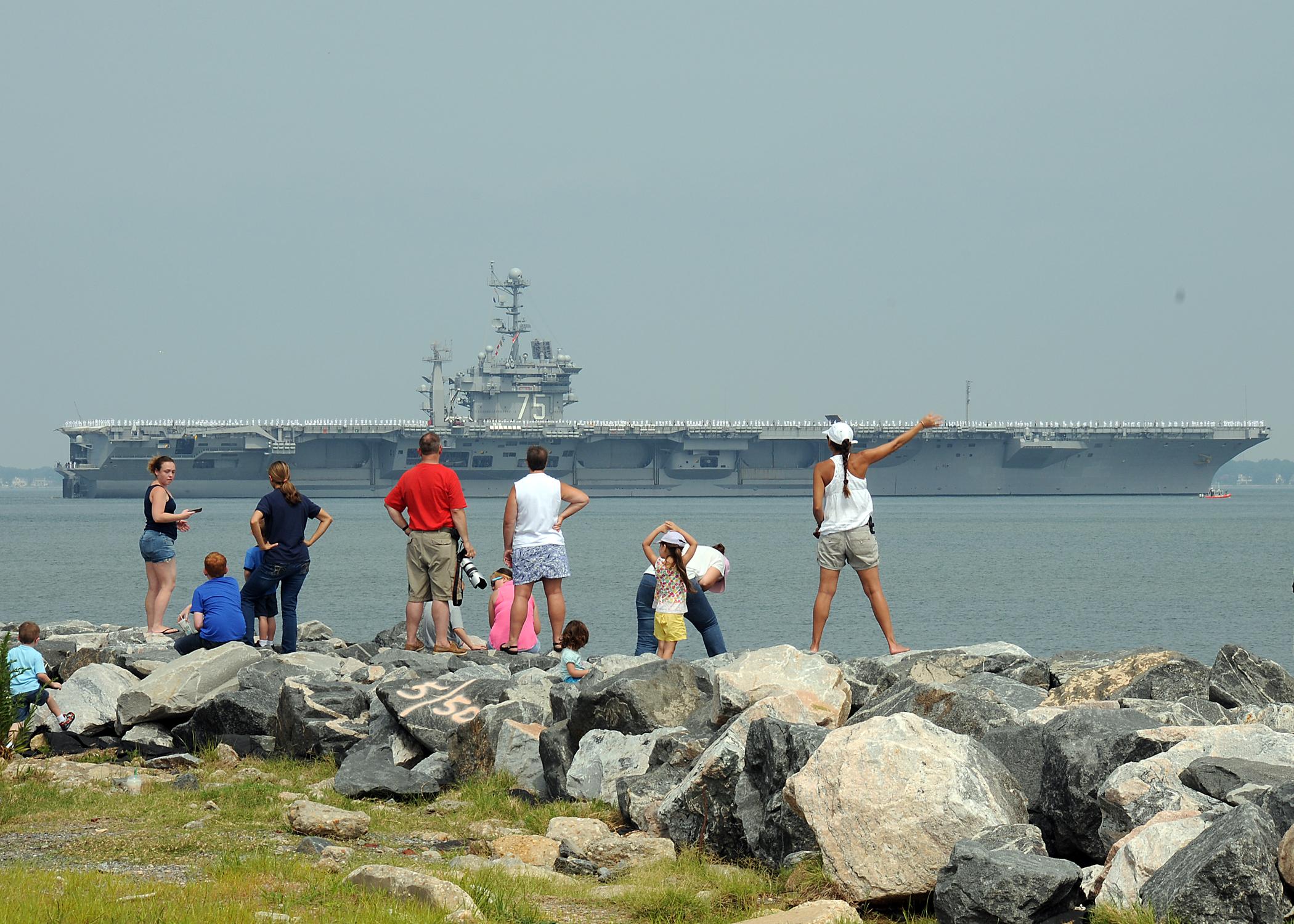 USS HARRY S. TRUMAN CVN-75 Auslaufen Norfolk 22.07.2013Bild: U.S. Navy