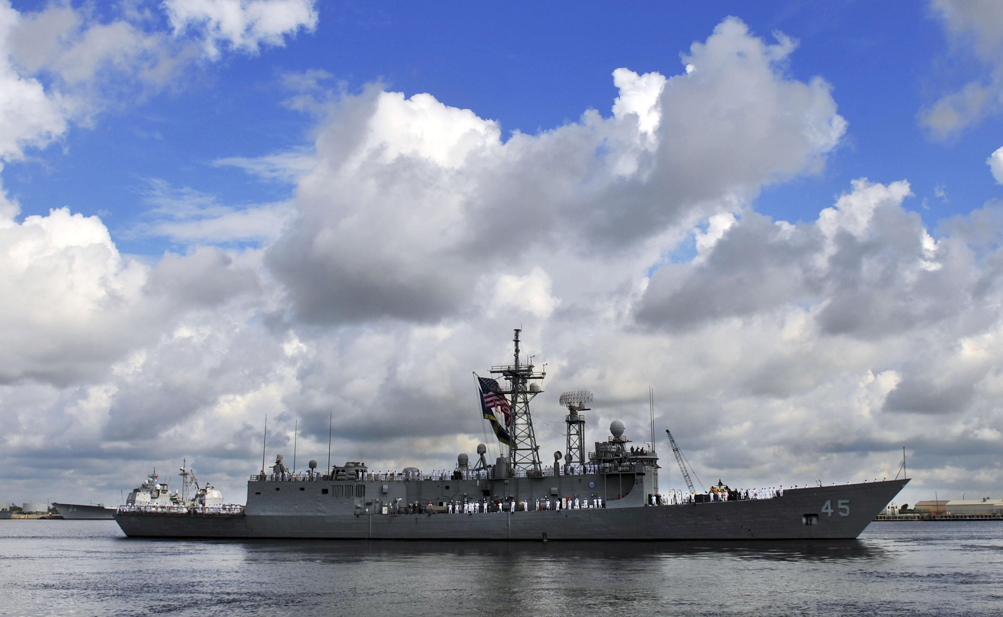 USS DeWERT FFG-45 Auslaufen Mayport am 12.07.2013Bild: U.S. Navy