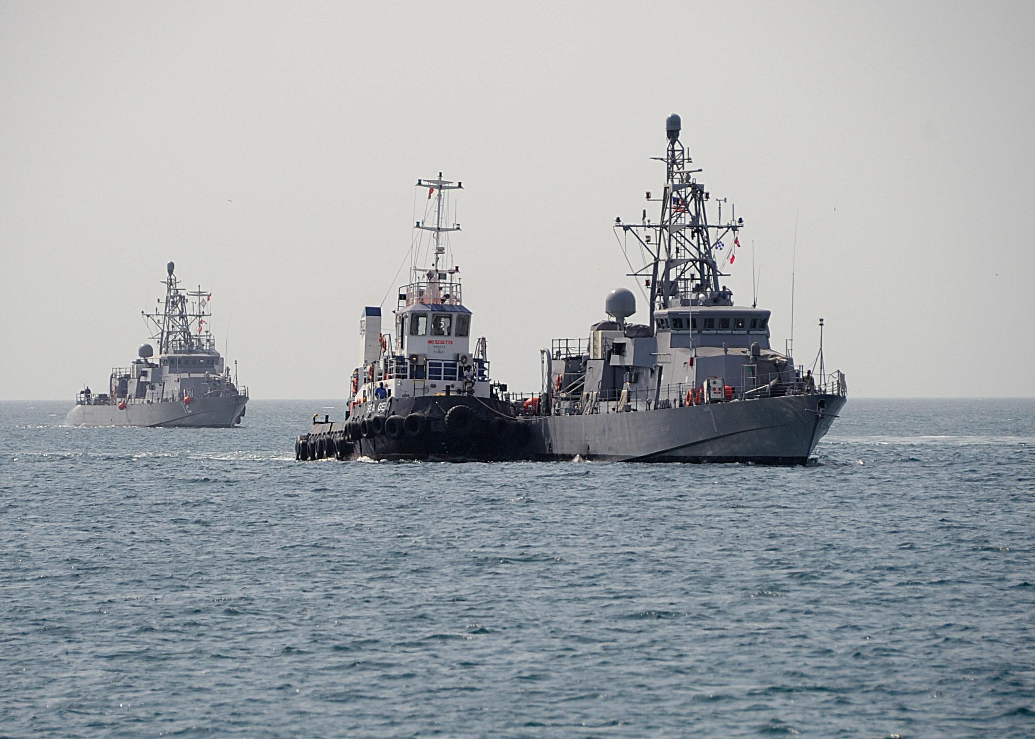 USS THUNDERBOLT PC-12 und USS SQUALL PC-7 am 03.07.2013 in BahrainBild: U.S. Navy
