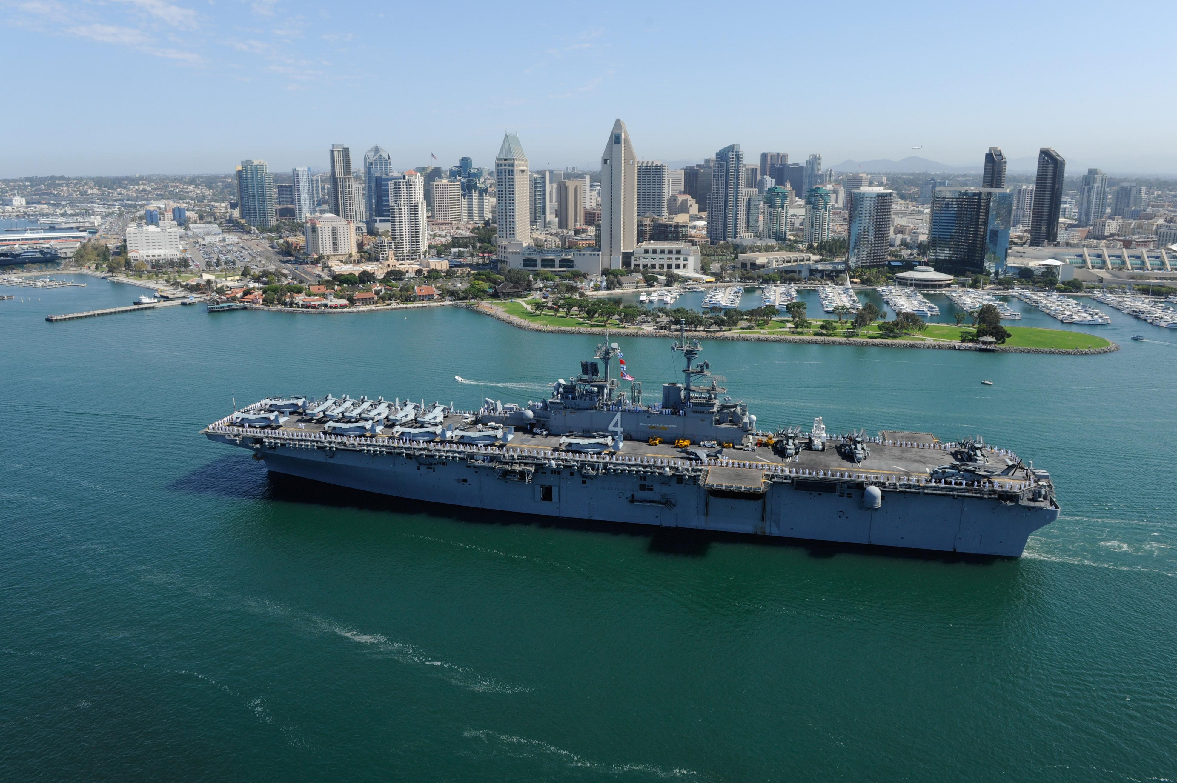 USS BOXER LHD-4 Auslaufen San Diego 23.08.2013Bild: U.S. Navy