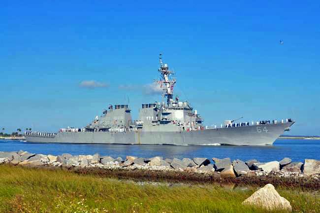 USS CARNEY DDG-64 Auslaufen Mayport 23.10.2013Bild: U.S. Navy