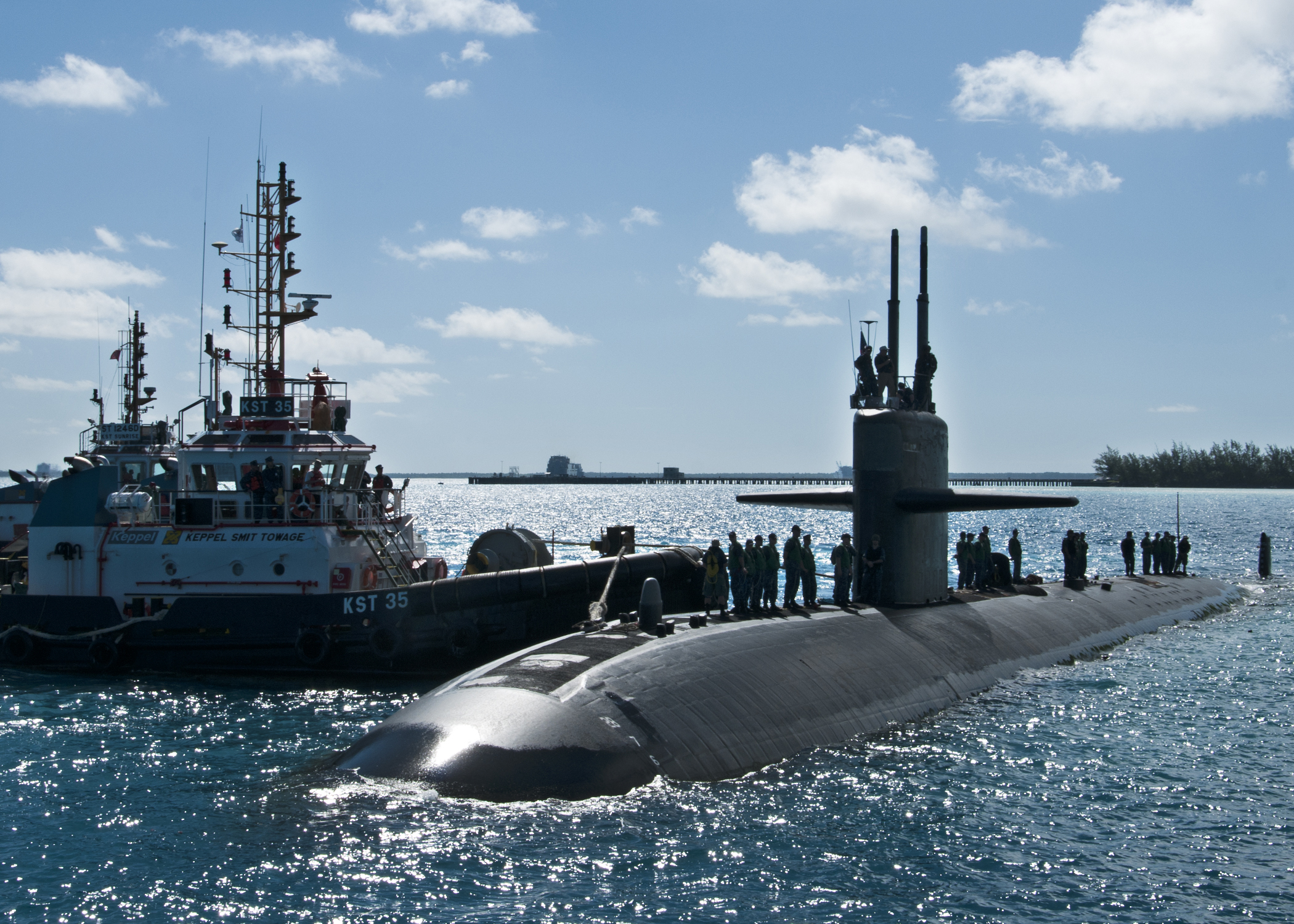 USS DALLAS SSN-700 am 06.10.2013 in Diego GarciaBild: U.S. Navy