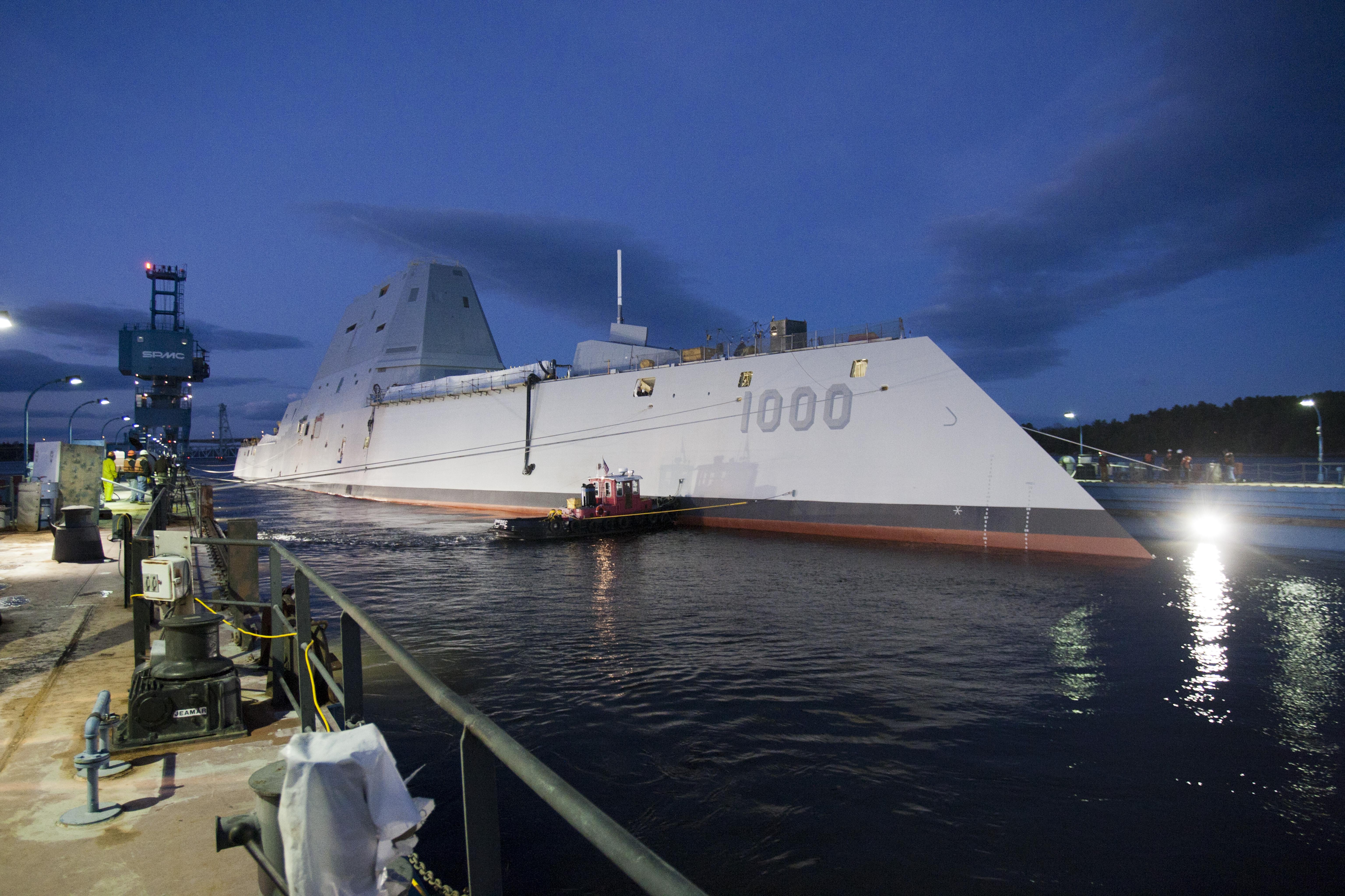 USS ZUMWALT DDG-1000 Aufschwimmen 28.10.2013 Bild: General Dynamics, Bath Iron Works
