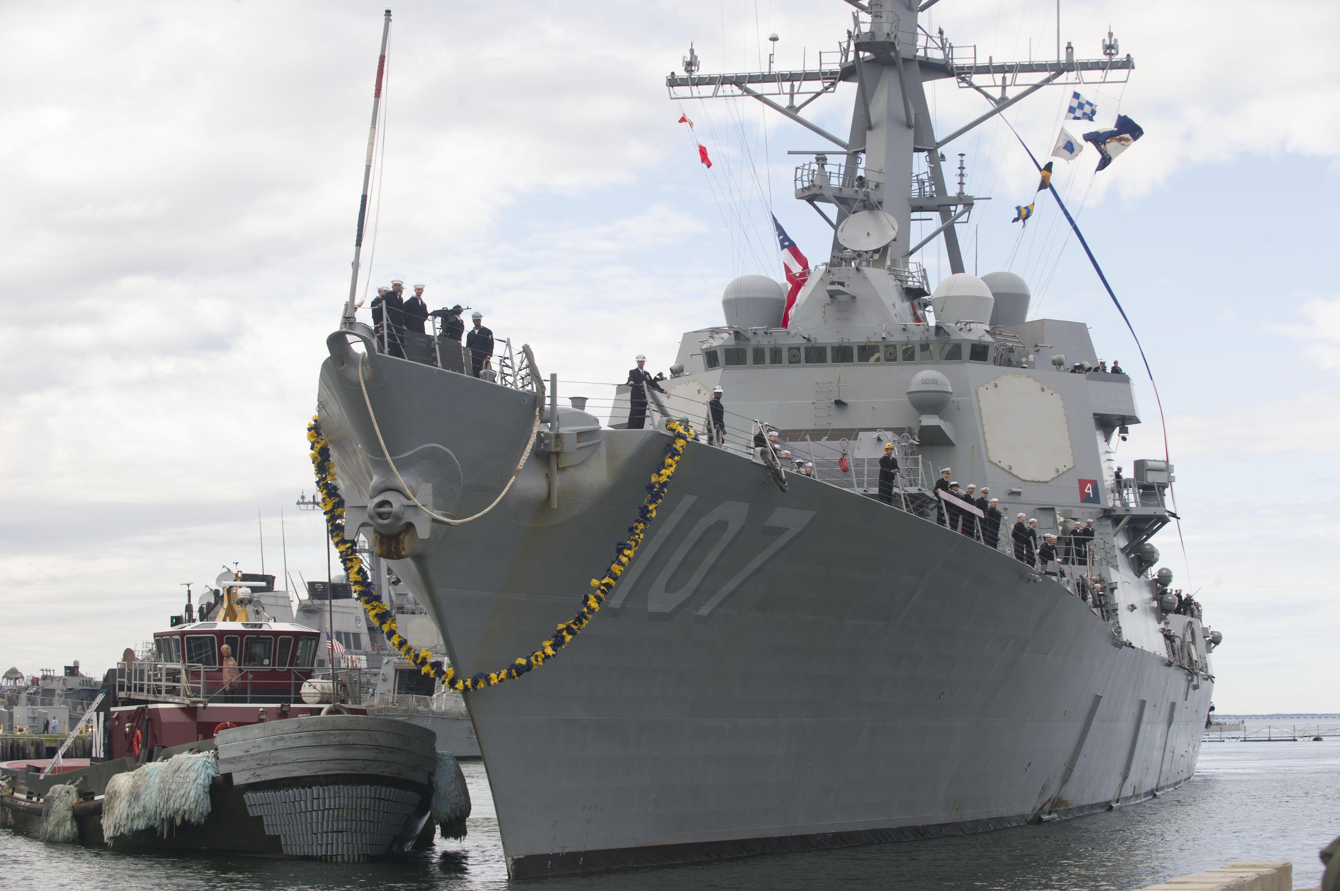USS GRAVELY DDG-107 Einlaufen Norfolk 18.11.2013Bild: U.S. Navy
