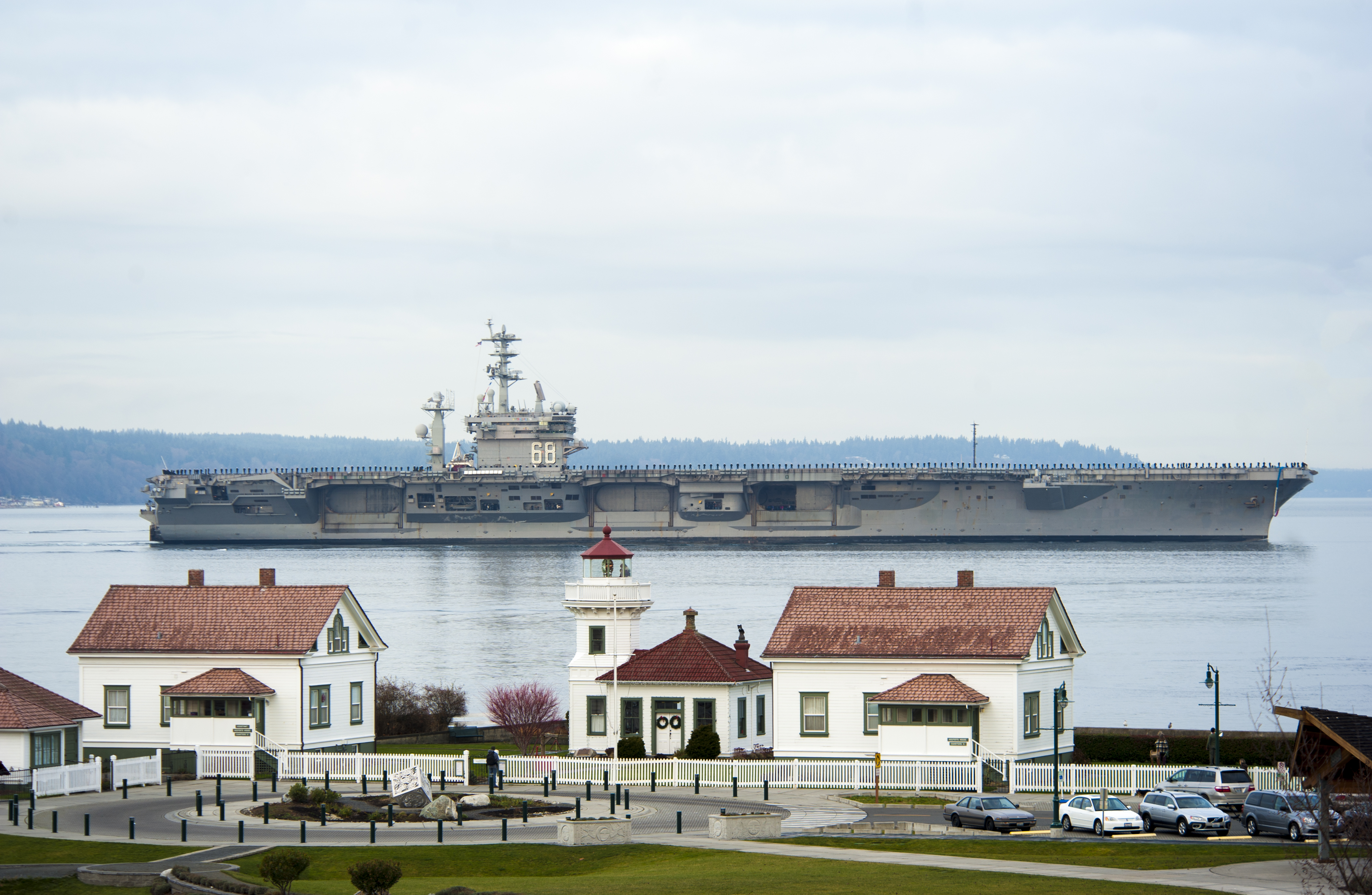 USS NIMITZ CVN-68 Einlaufen Everett am 16.12.2013 Bild: U.S. Navy