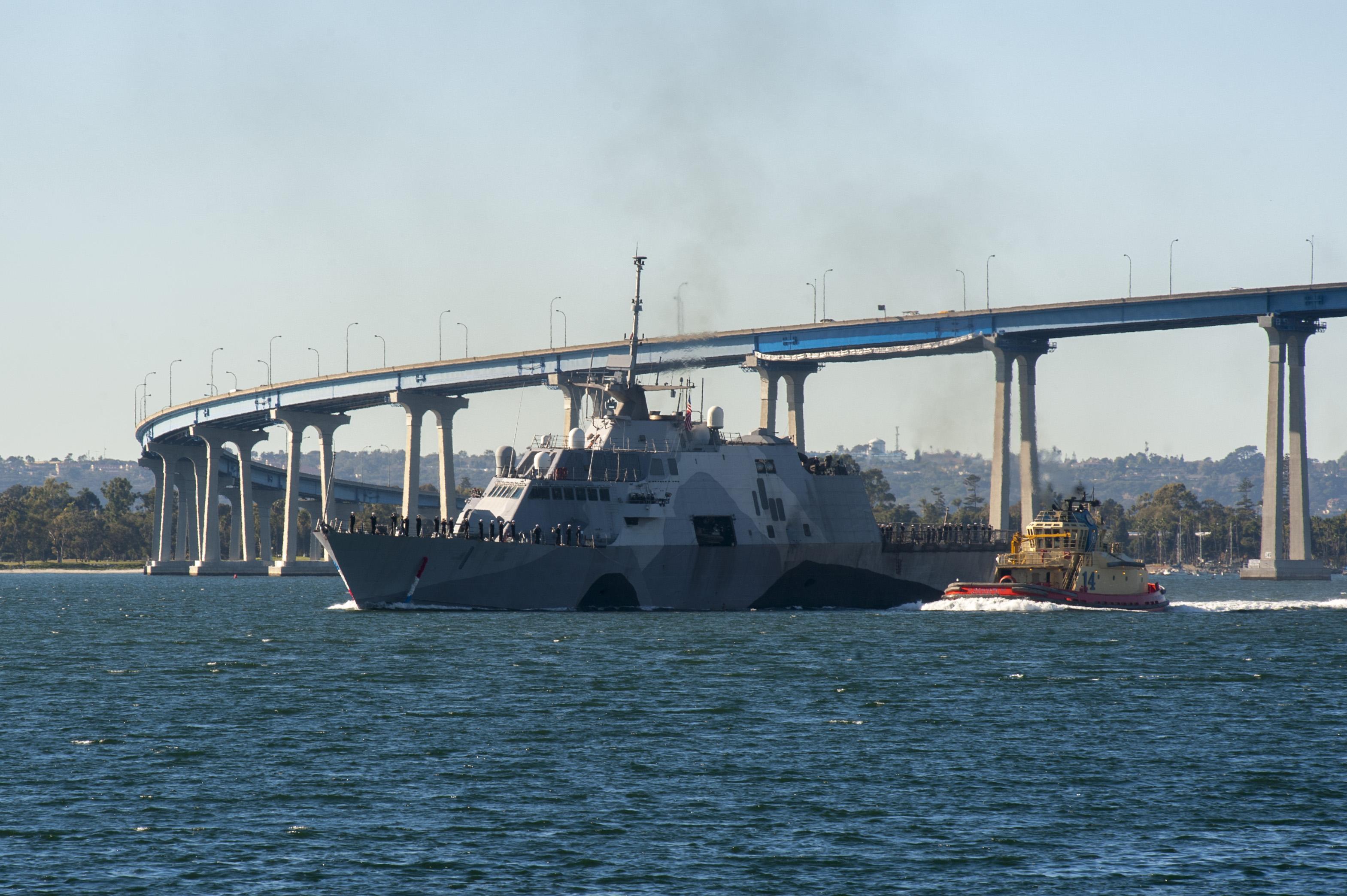 USS FREEDOM LCS-1 Einlaufen San Diego 23.12.2013 Bild: U.S. Navy