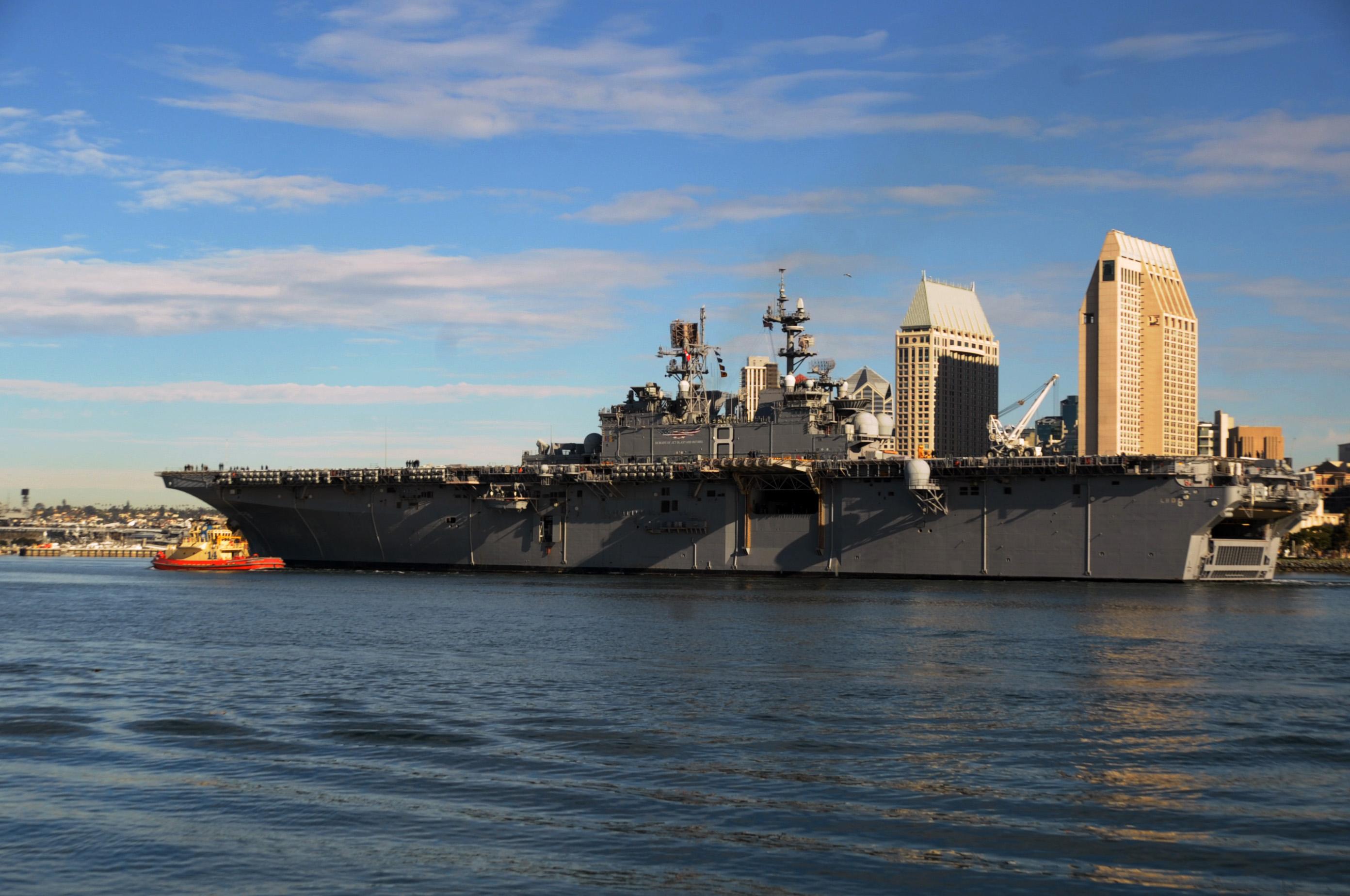 USS MAKIN ISLAND LHD-8 am 10.12.2013Bild: U.S. Navy