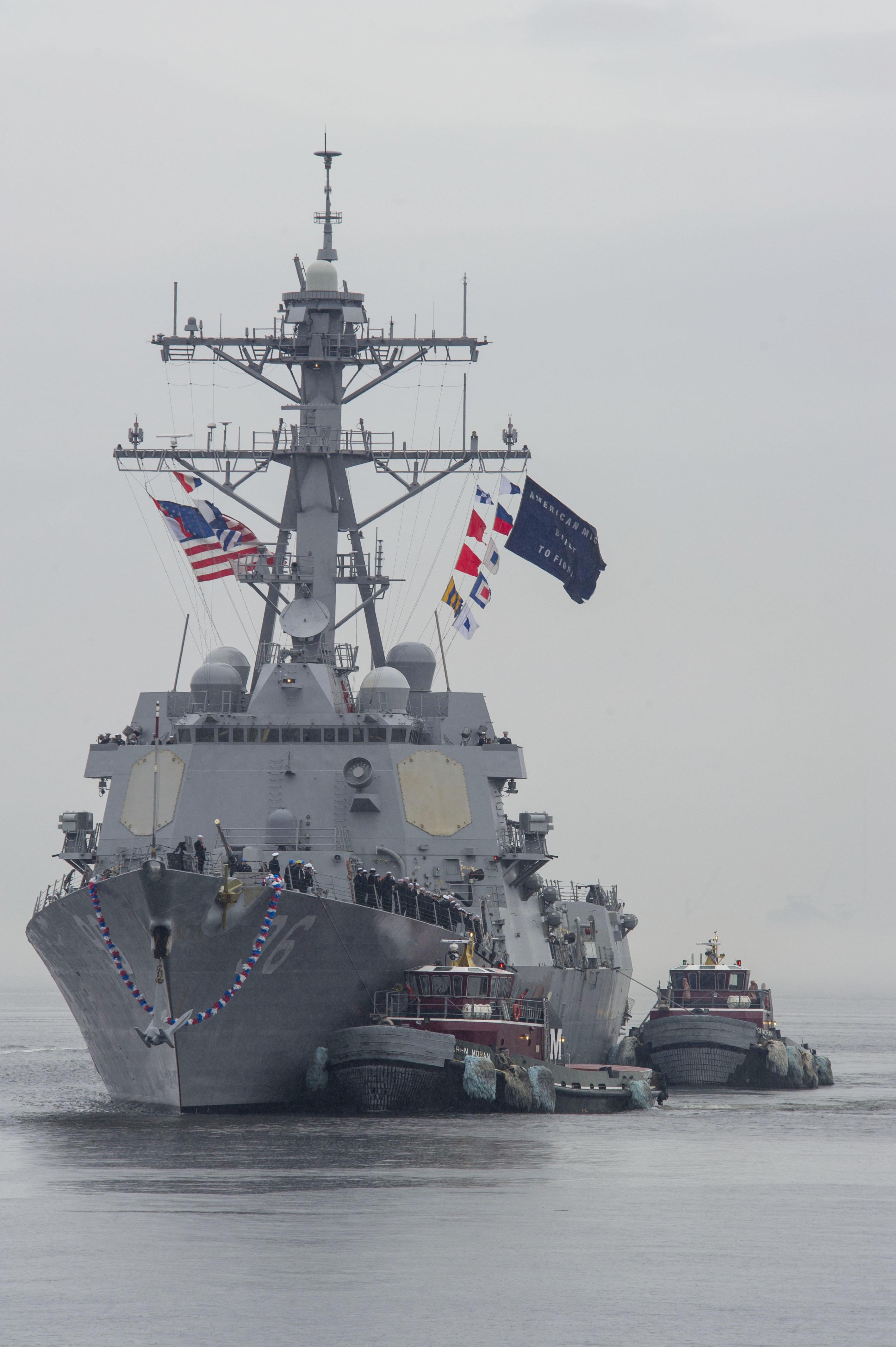 USS BAINBRIDGE DDG-96 Einlaufen Norfolk am 14.01.2014 Bild: U.S. Navy