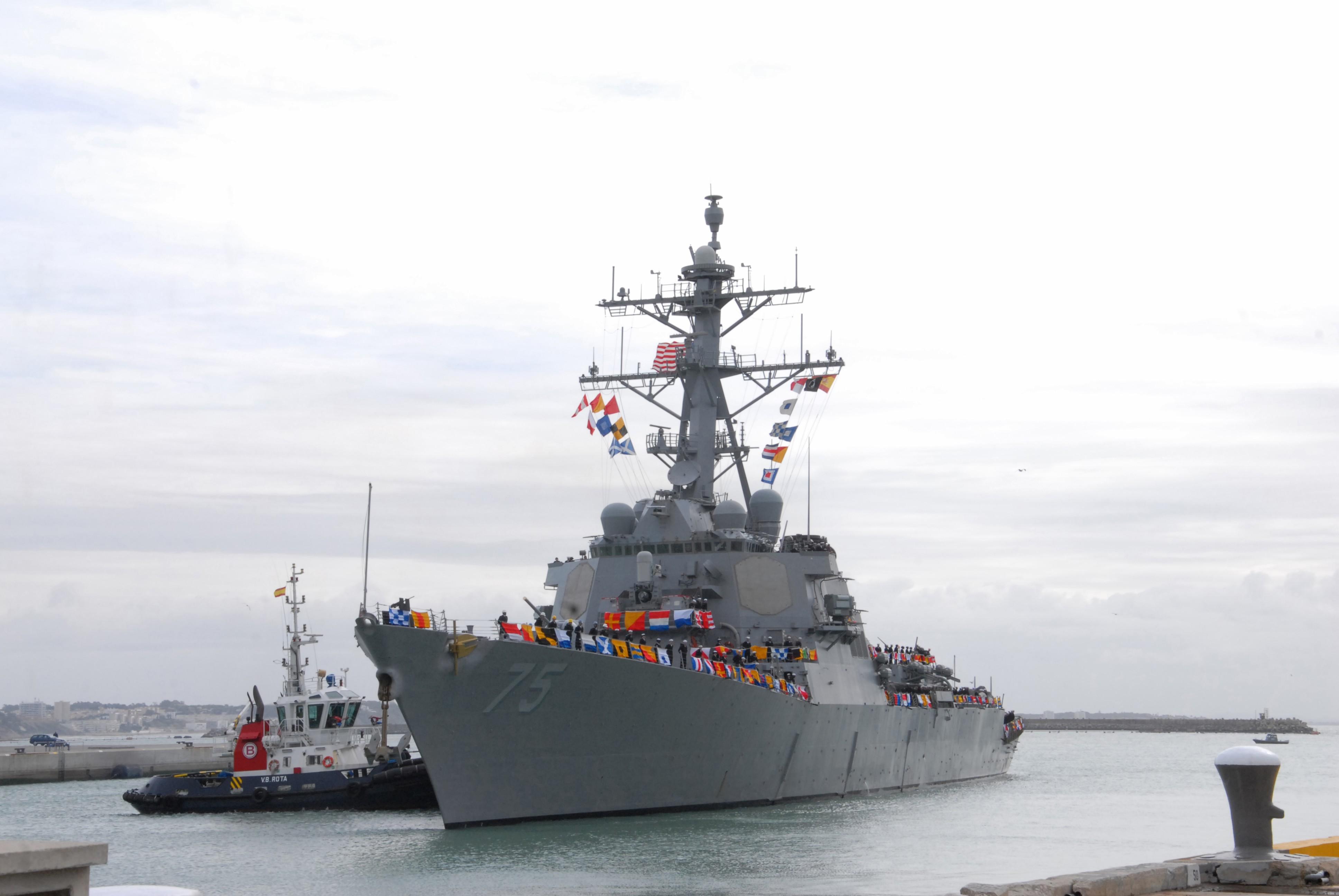 USS DONALD COOK DDG-75 Einlaufen Rota am 11.02.2014 Bild: U.S. Navy