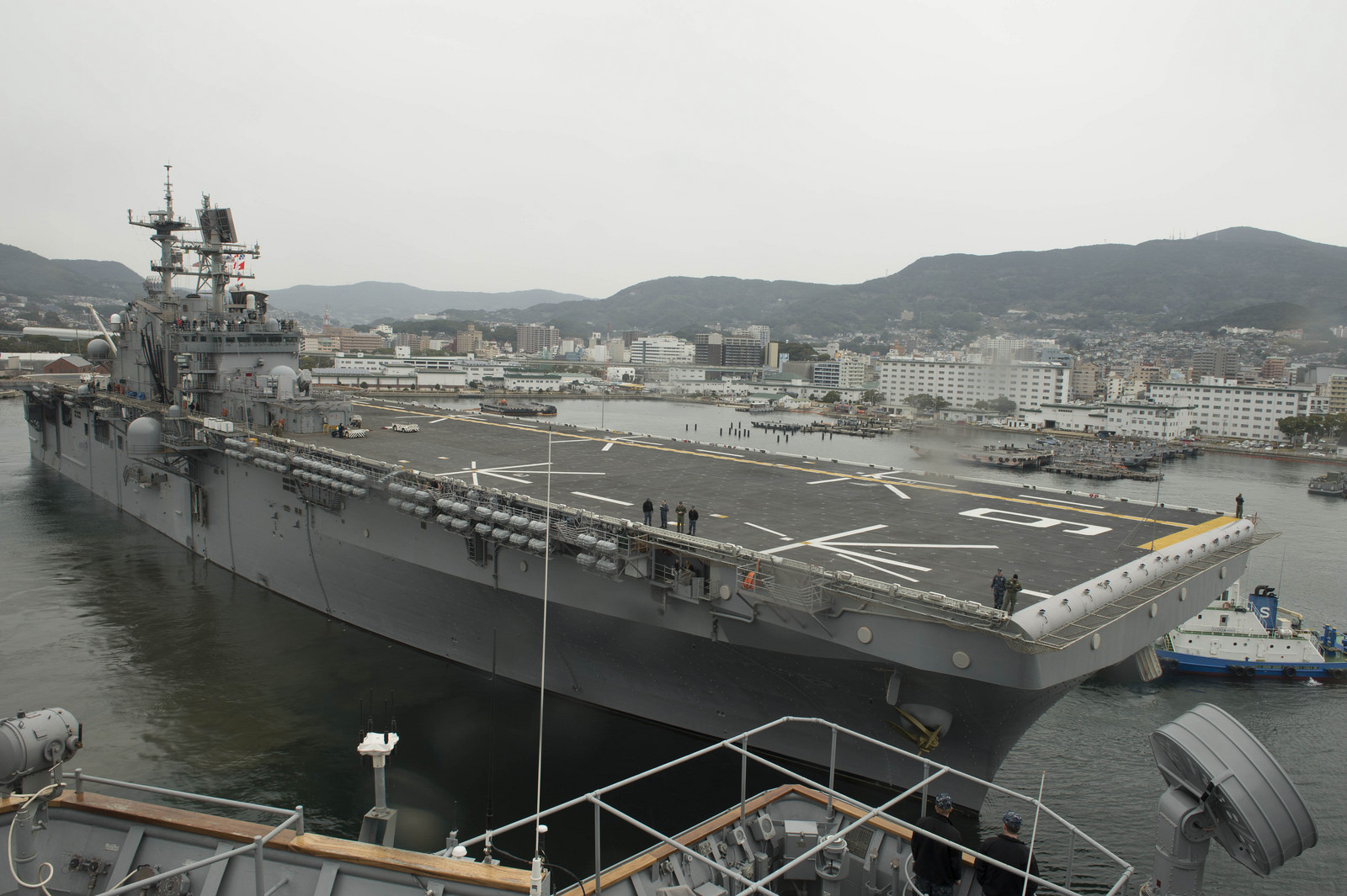 USS BONHOMME RICHARD LHD-6 Auslaufen Sasebo am 17.02.2014 Bild: U.S. Navy
