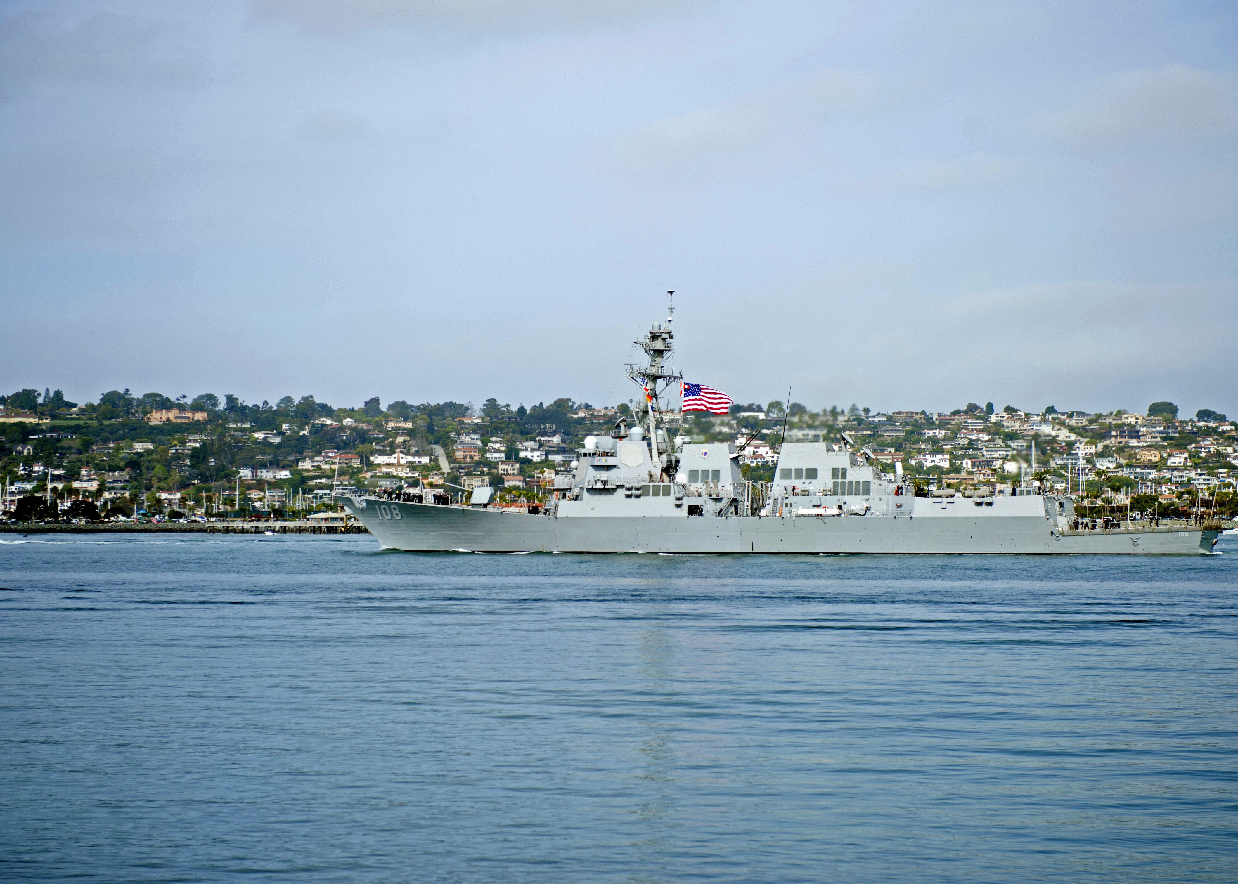 USS WAYNE E. MEYER DDG-108 Auslaufen San Diego am 20.03.2014 Bild: U.S. Navy
