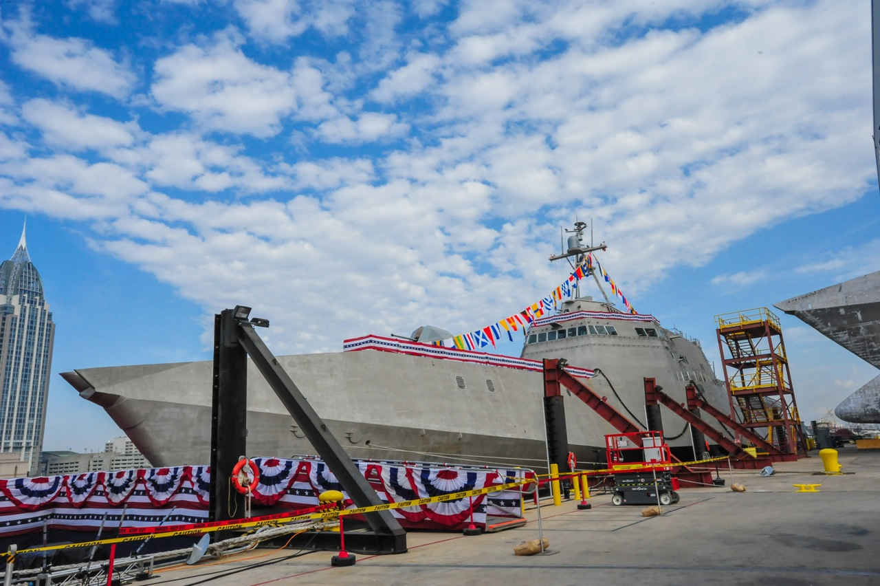 USS JACKSON LCS-6 Christening Bild: Austal USA