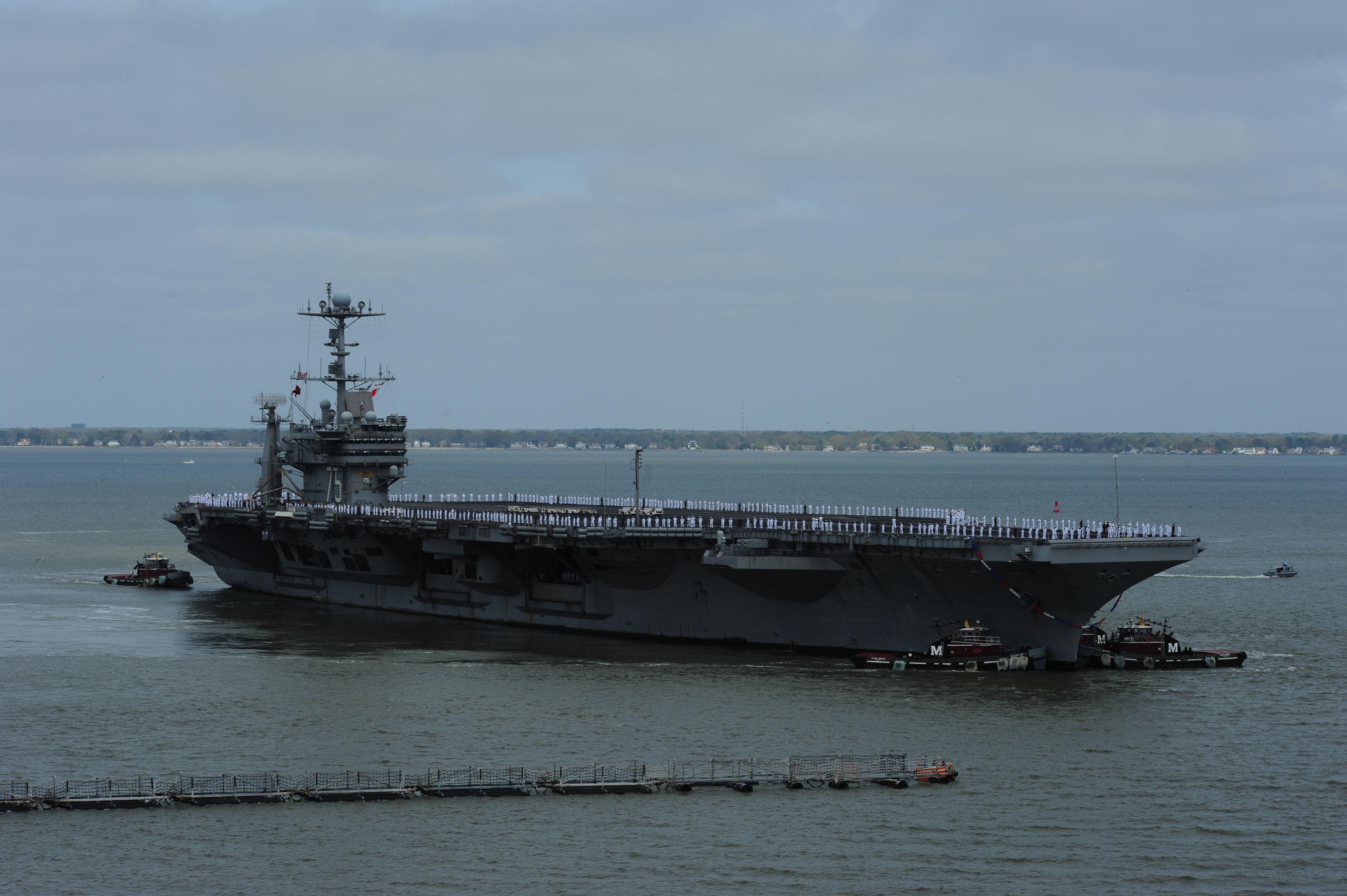 USS HARRY S. TRUMAN CVN-75 Einlaufen Norfolk am 18.04.2014 Bild: U.S. Navy