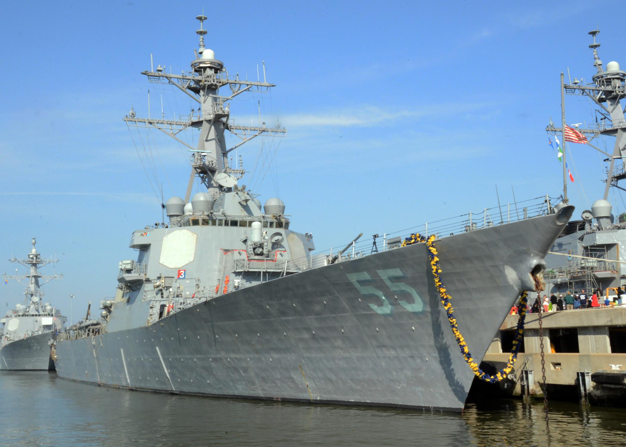 USS STOUT DDG-55 Einlaufen Norfolk 04.04.2014 Bild: U.S. Navy