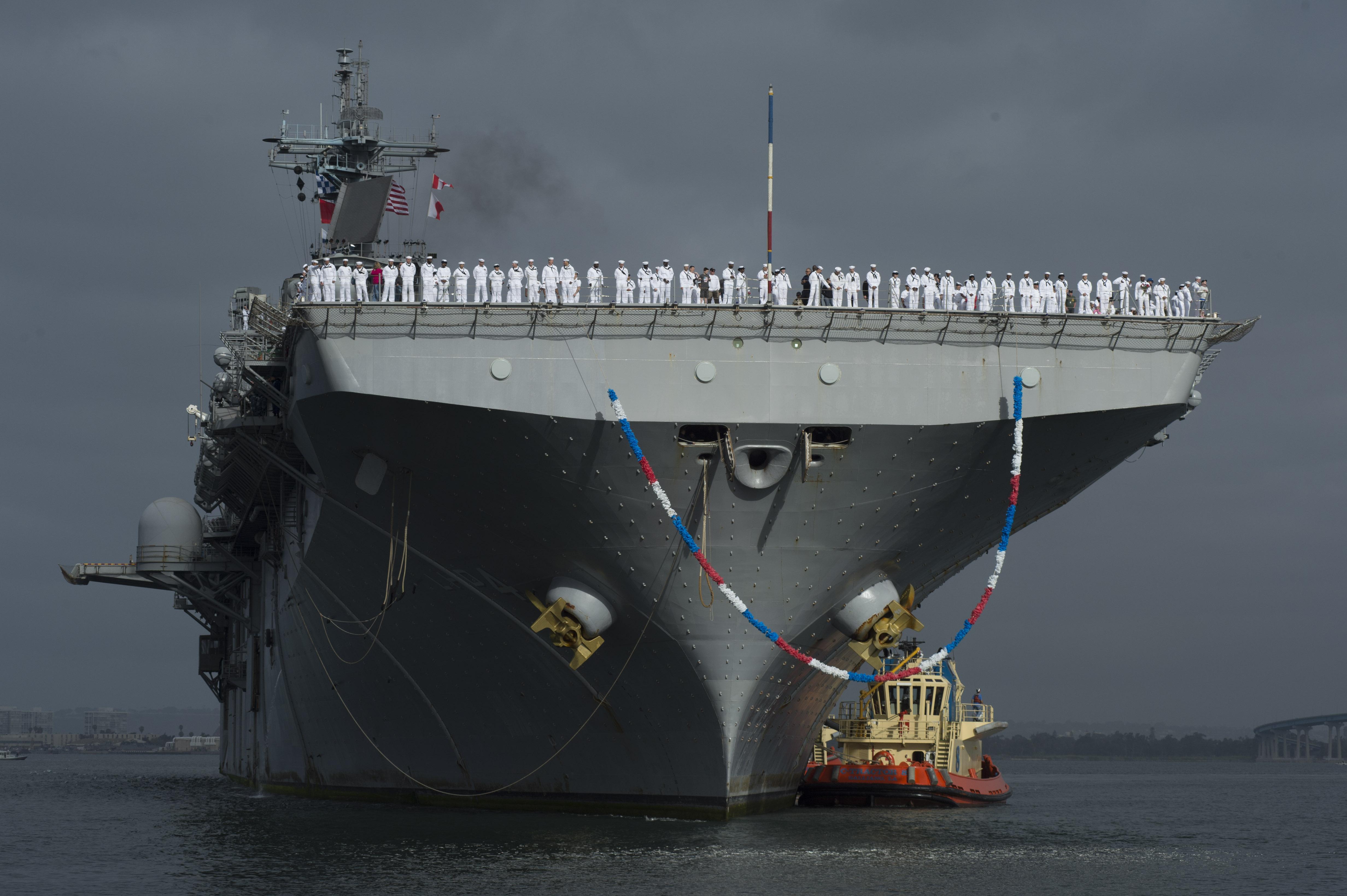 USS BOXER LHD-4 Einlaufen San Diego am 25.04.2014 Bild: U.S. Navy