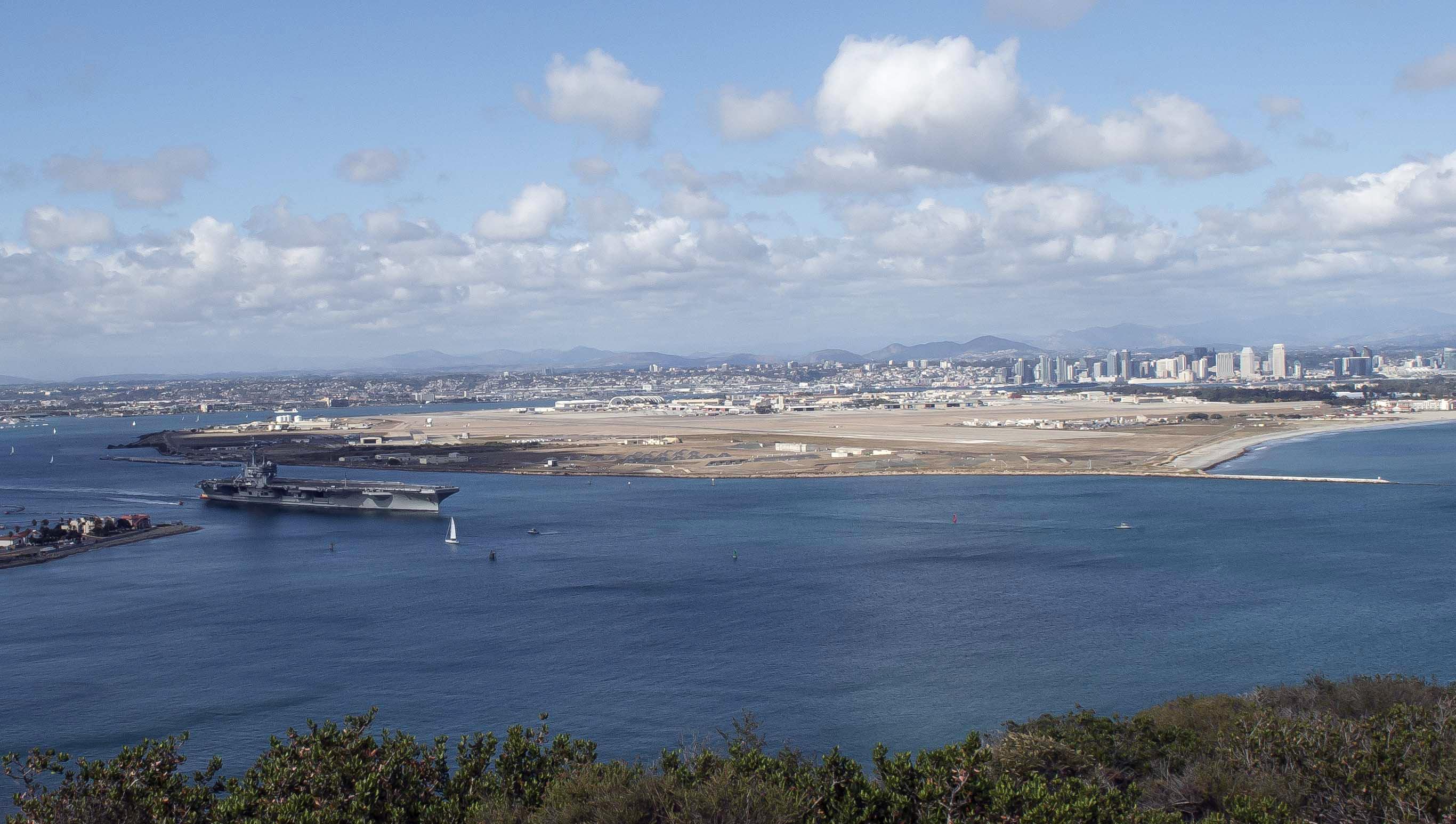 USS RONALD REAGAN CVN-76 Auslaufen San Diego am 20.05.2014 Bild: U.S. Navy