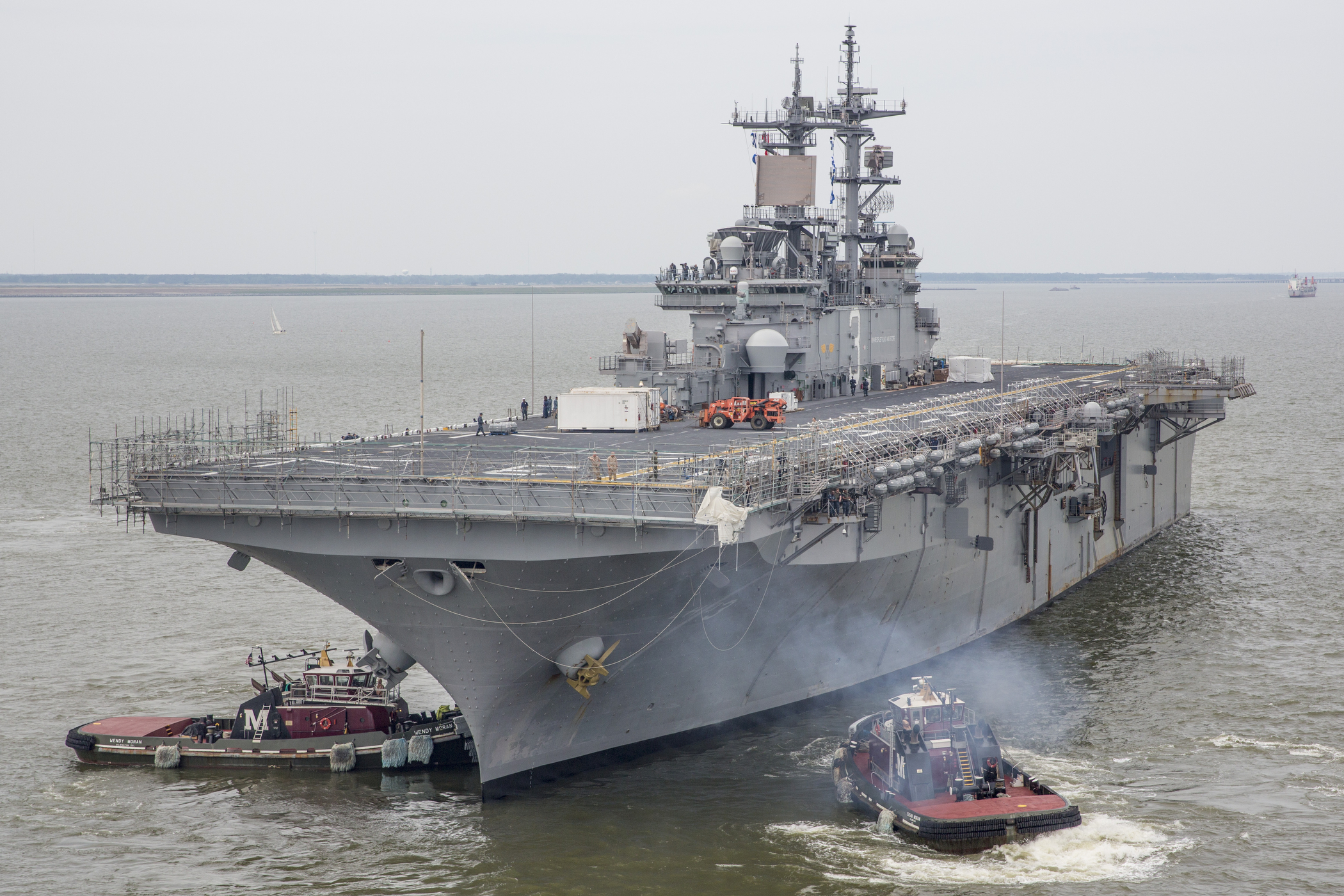 USS KEARSARGE LHD-3 am 10.05.2014 in Norfolk Bild: U.S. Navy