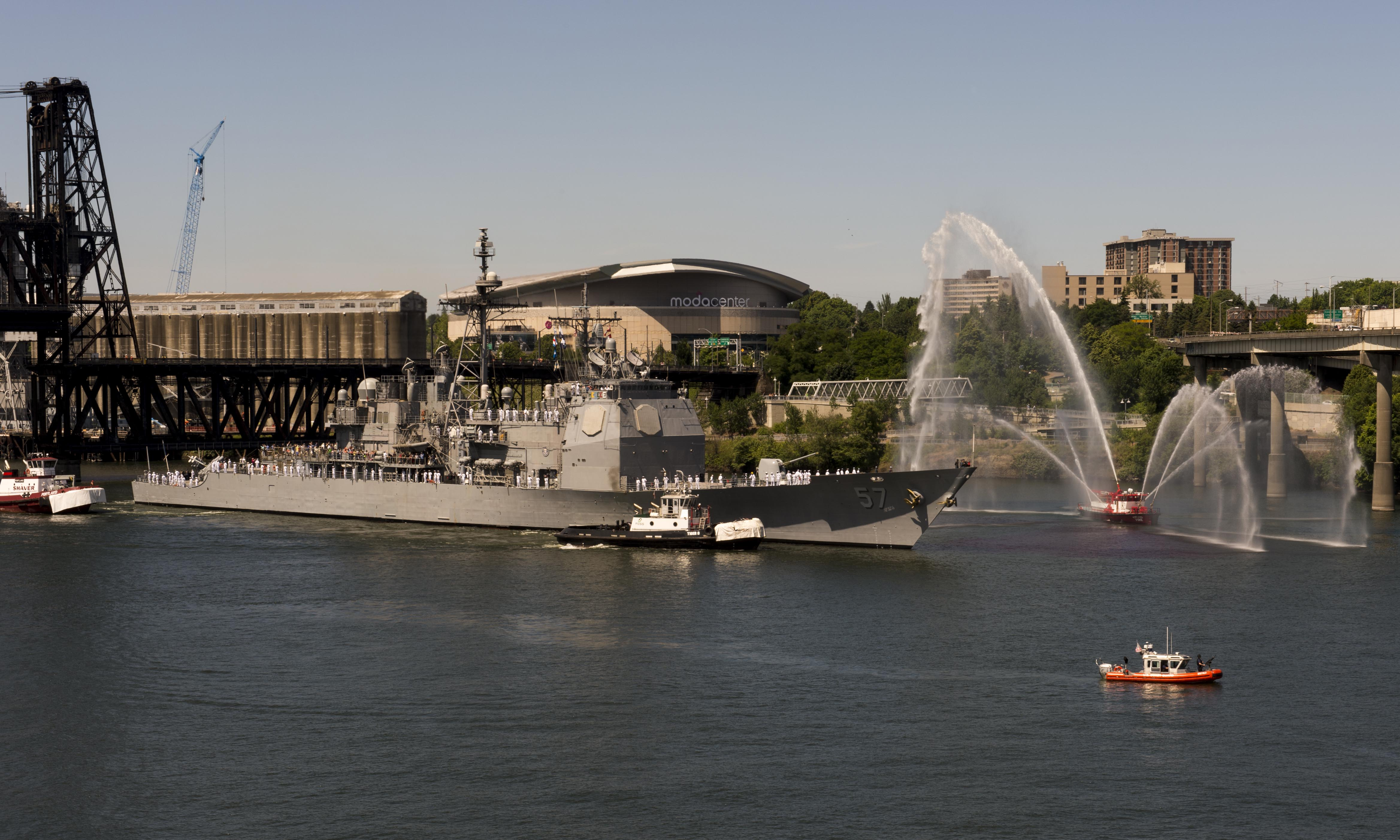 USS LAKE CHAMPLAIN CG-57 Einlaufen Portland am 05.06.2014 Bild: U.S. Navy