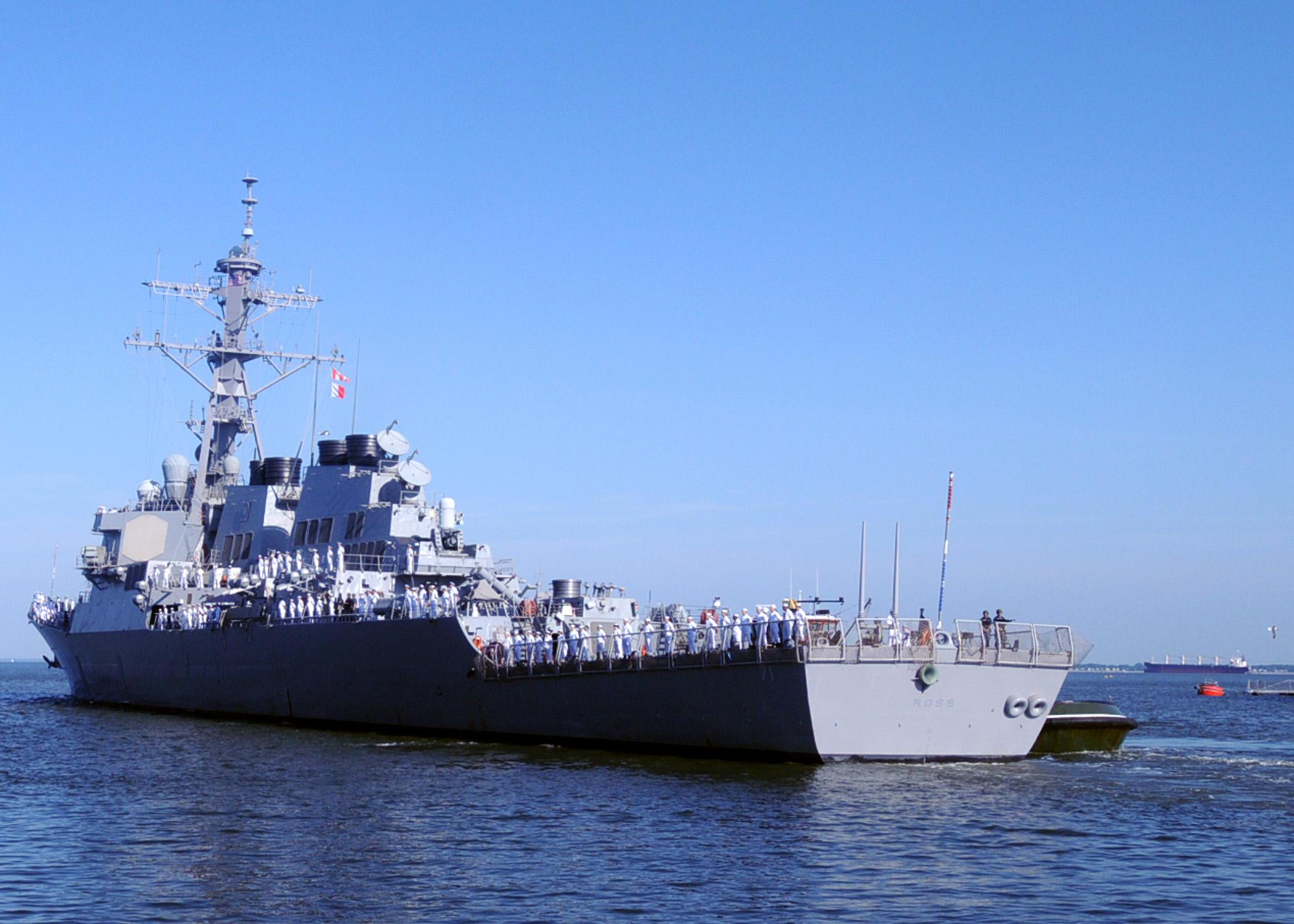 USS ROSS DDG-71 Auslaufen Norfolk am 03.06.2014 Bild: U.S. Navy