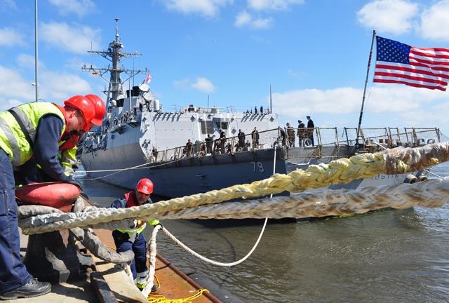 USS OSCAR AUSTIN DDG-79 Anlegen Kieler Woche 2014 Bild: Bundeswehr