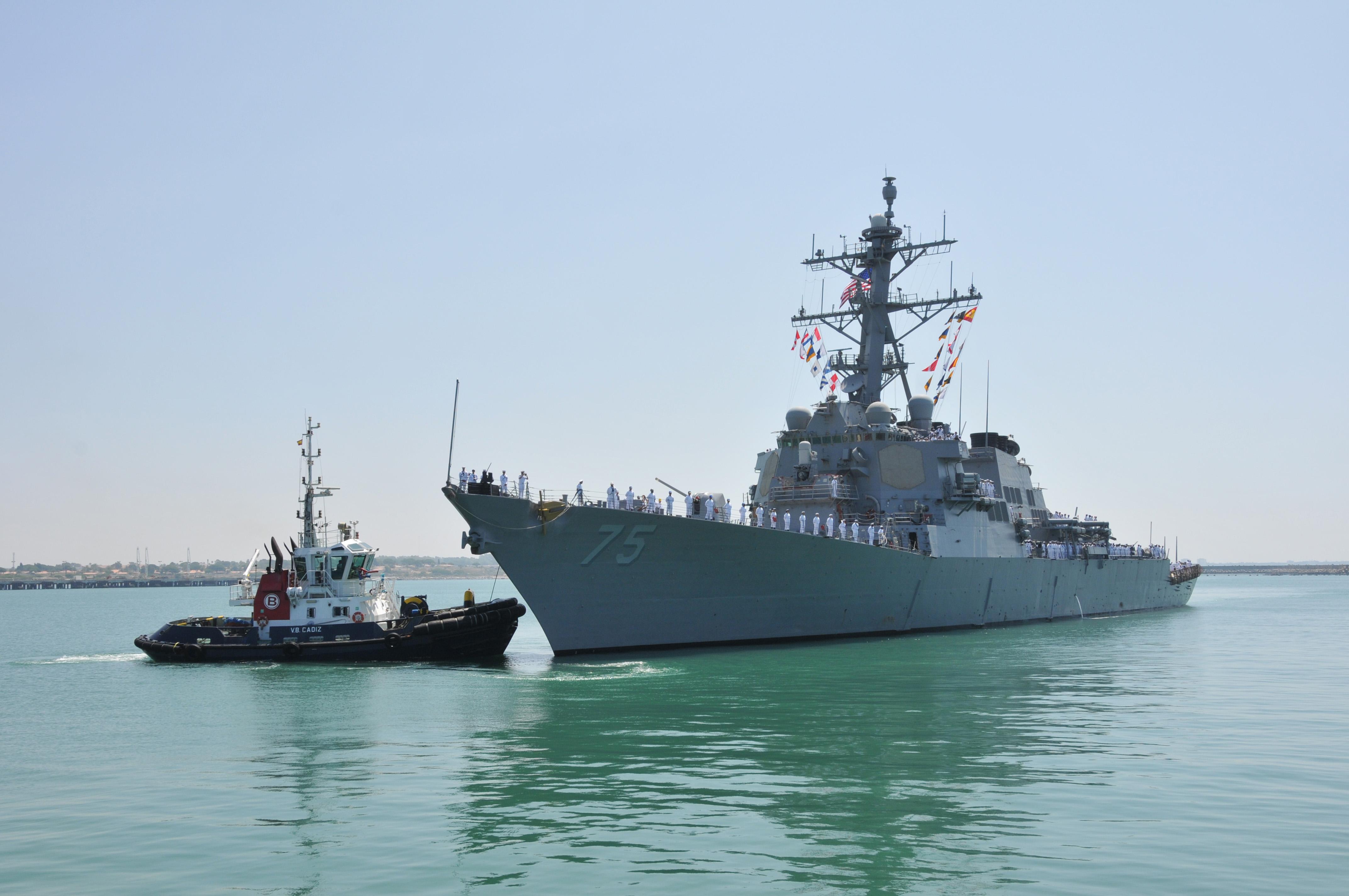 USS DONALD COOK DDG-75 Einlaufen Rota am 25.07.2014 Bild: U.S. Navy