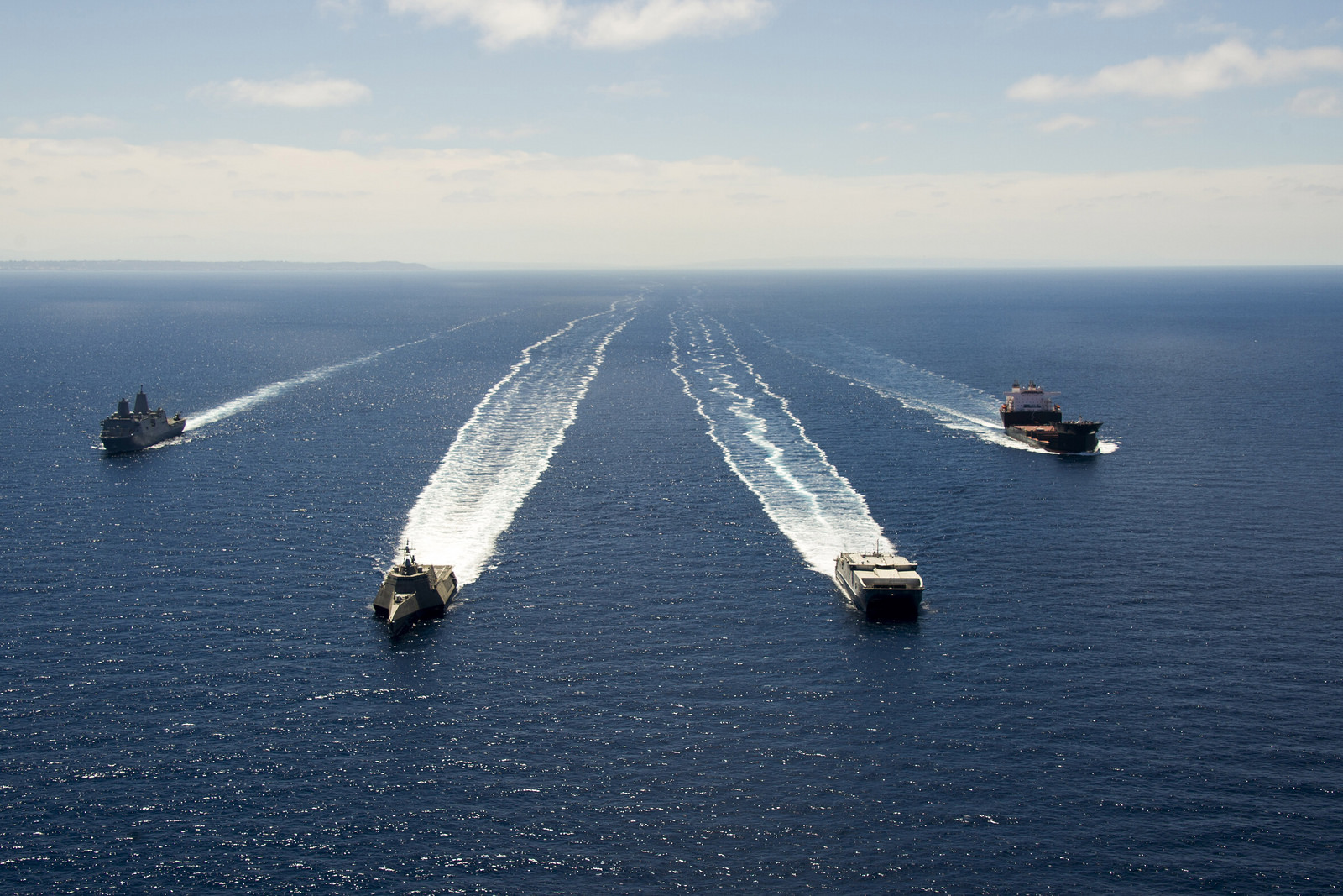 Schiffsformation während RIMPAC 2014 Bild: U.S. Navy
