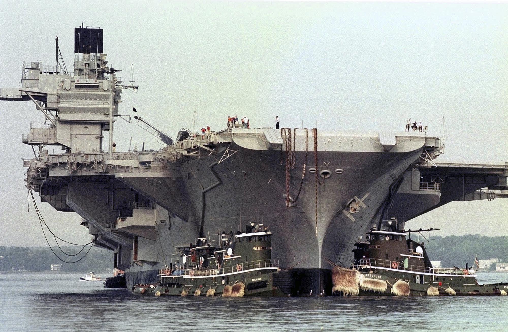ex-USS SARATOGA CV-60 am 21.08.2014 in Newport, RI Bild: AP