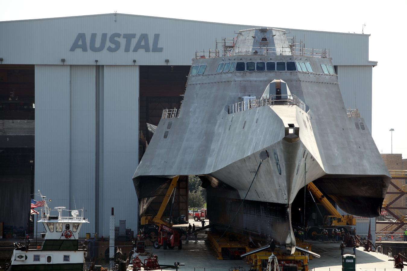 USS MONTGOMERY LCS-8 Ausrollen aus Montagehalle Bild: Austal USA