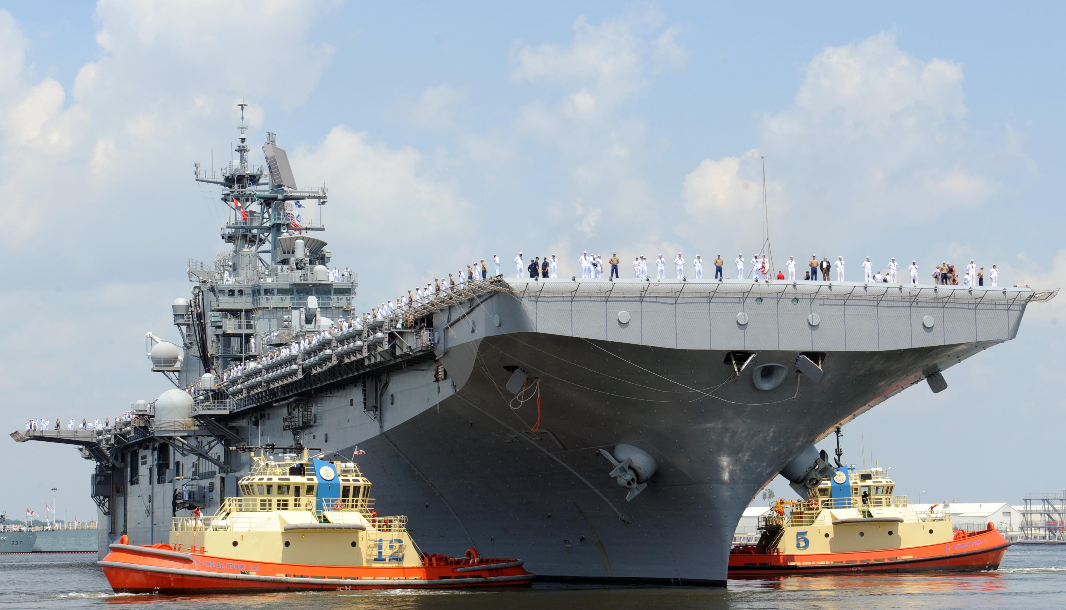 USS IWO JIMA LHD-7 Einlaufen Mayport am 17.08.2014 Bild: U.S. Navy