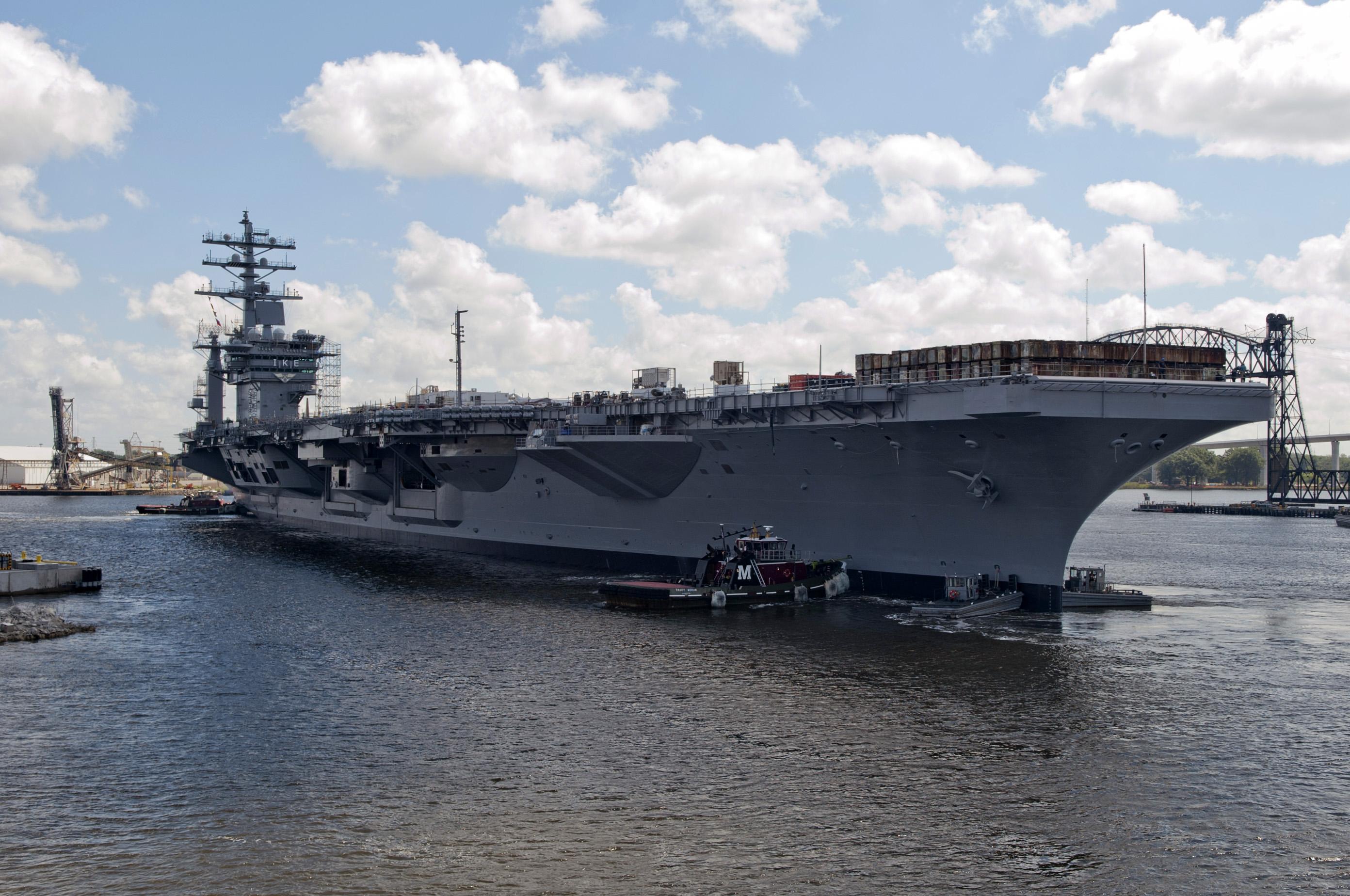 USS DWIGHT D. EISENHOWER CVN-69 am 26.08.2014 Bild: U.S. Navy