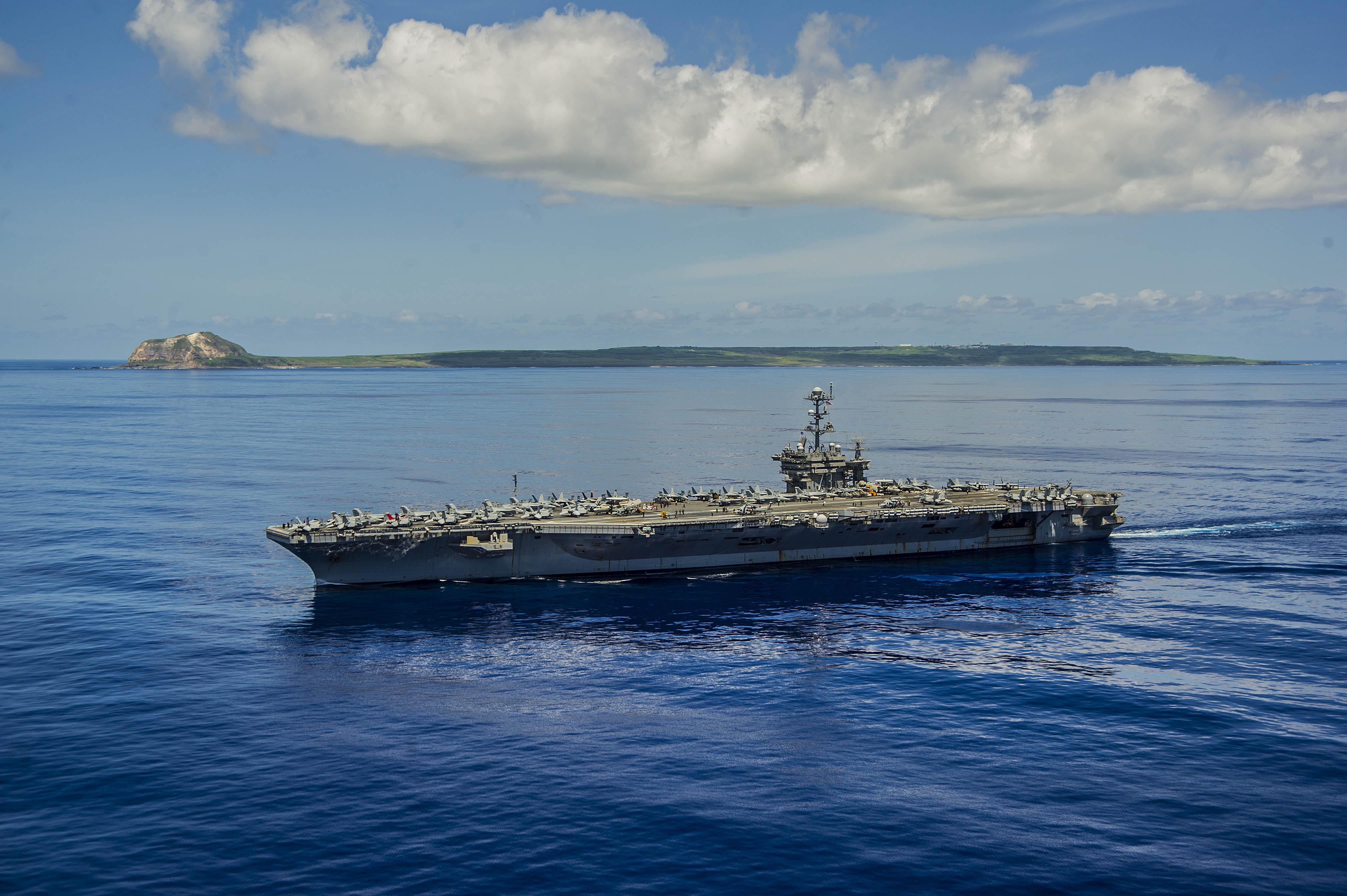 USS GEORGE WASHINGTON CVN-73 am 07.09.2014 vor Iwo To (früher: Iwo Jima) Bild: U.S. Navy