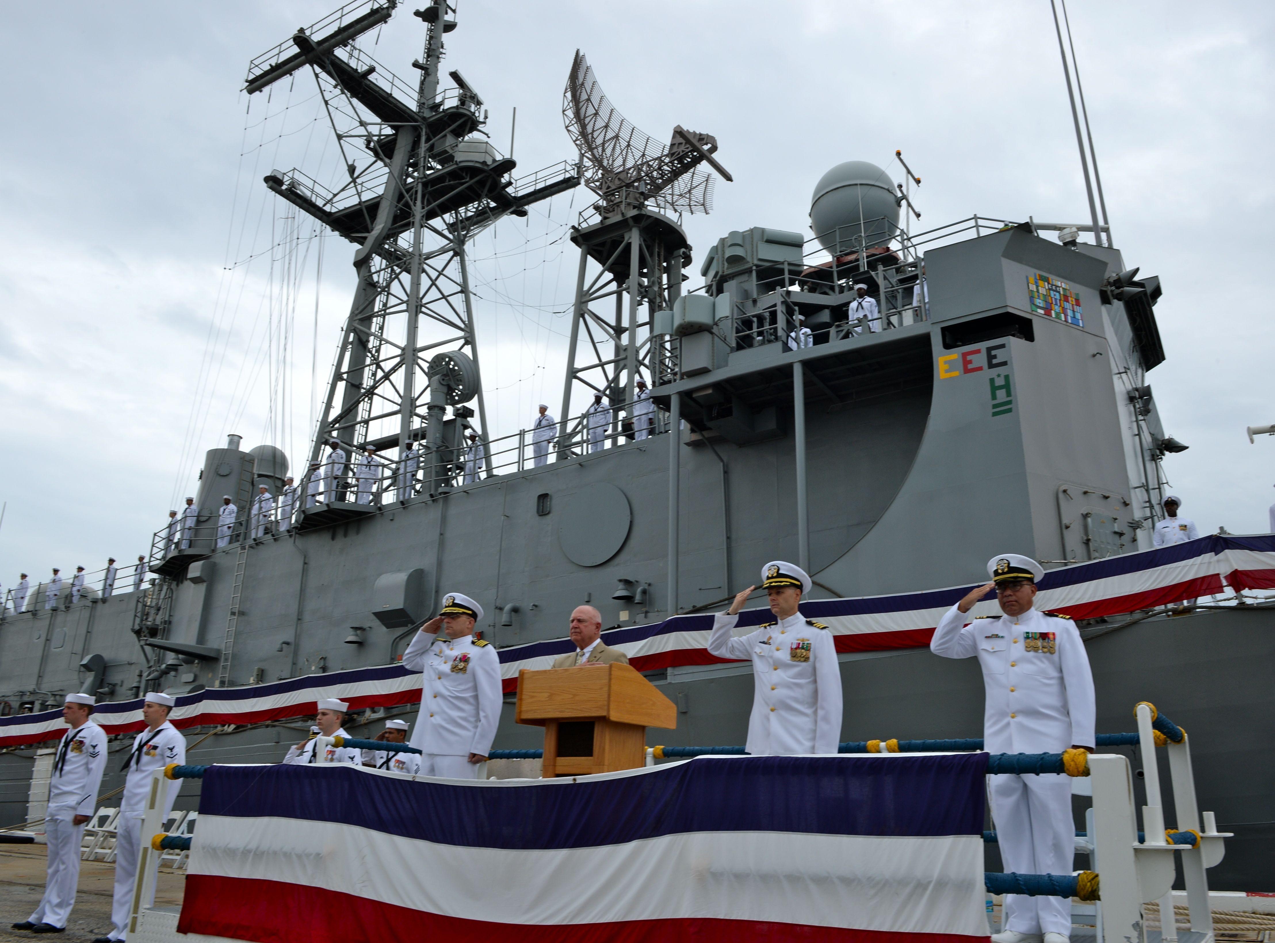 USS HALYBURTON FFG-40 Decommissioning Ceremony Bild: U.S. Navy