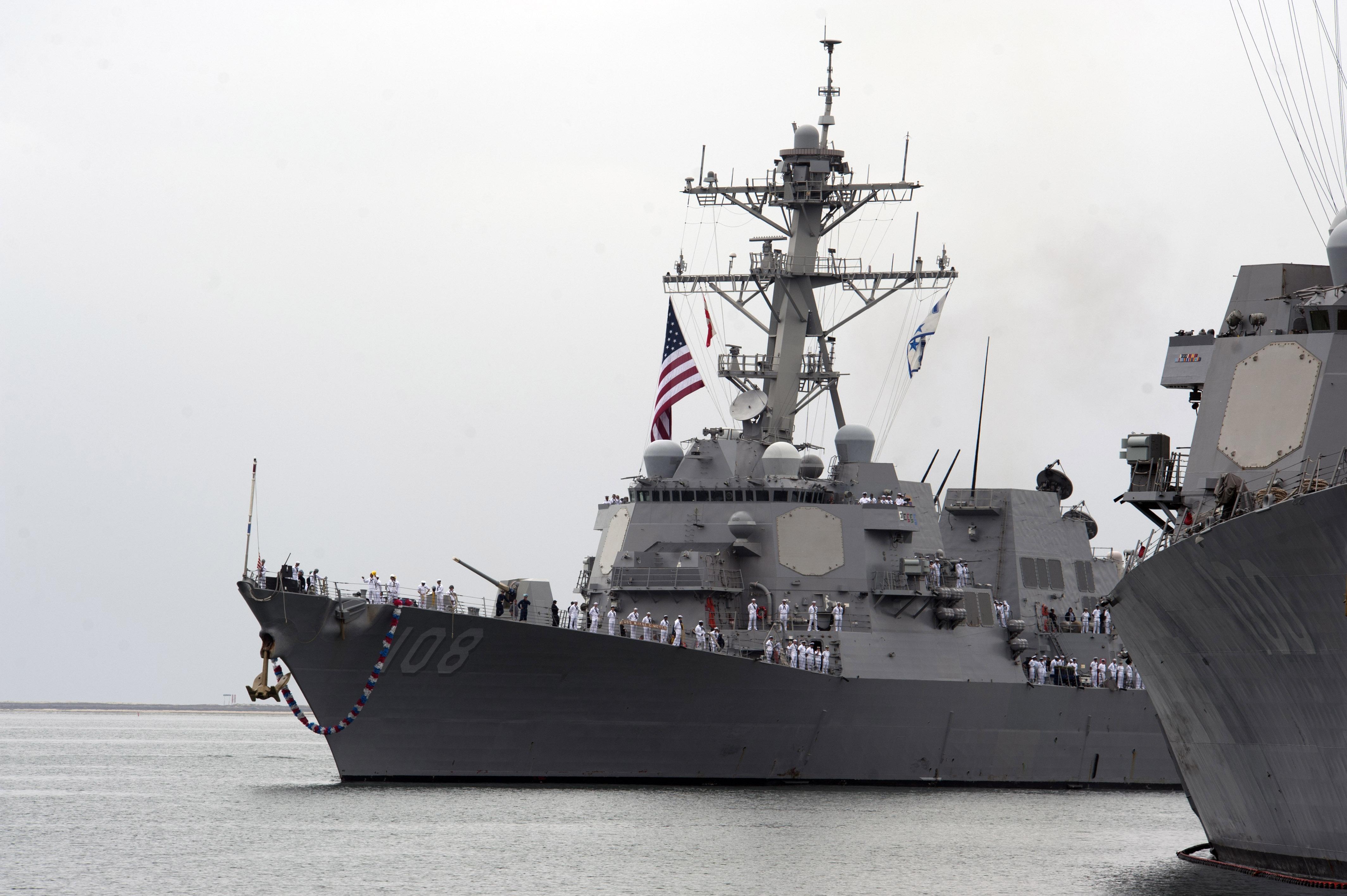 USS WAYNE E. MEYER DDG-108 Einlaufen San Diego am 20.10.2014 Bild: U.S. Navy