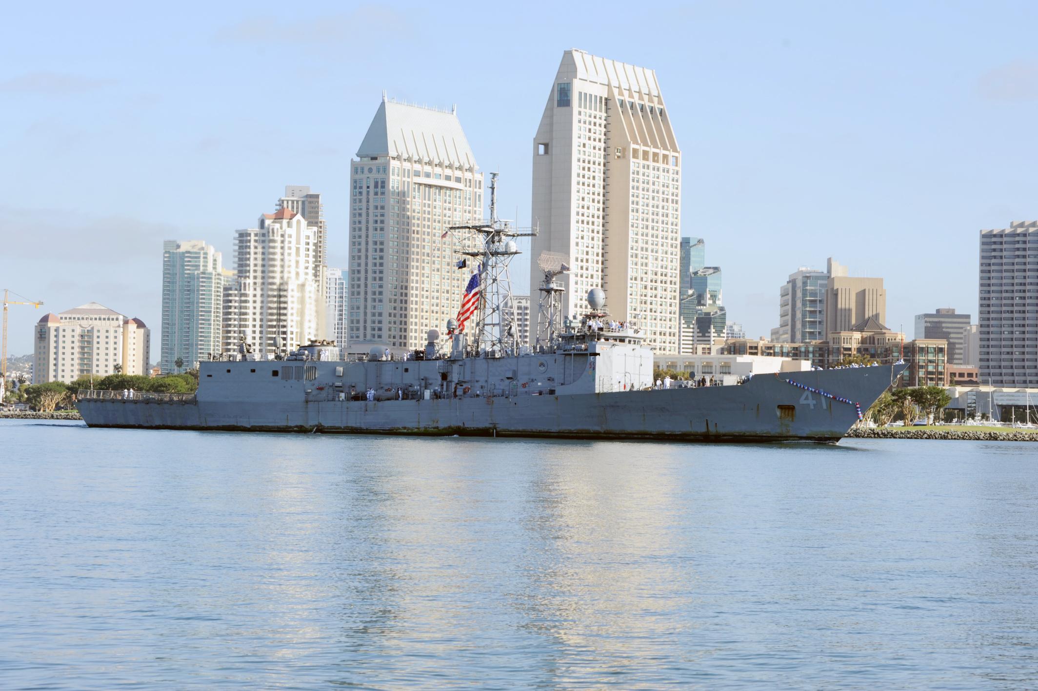 USS McCLUSKY FFG-41 Einlaufen San Diego am 26.09.2014 Bild: U.S. Navy