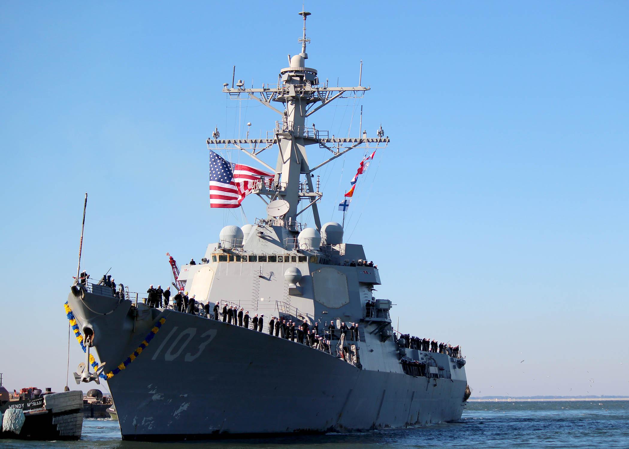 USS TRUXTUN DDG-103 Einlaufen Norfolk am 15.11.2014 Bild: U.S. Navy