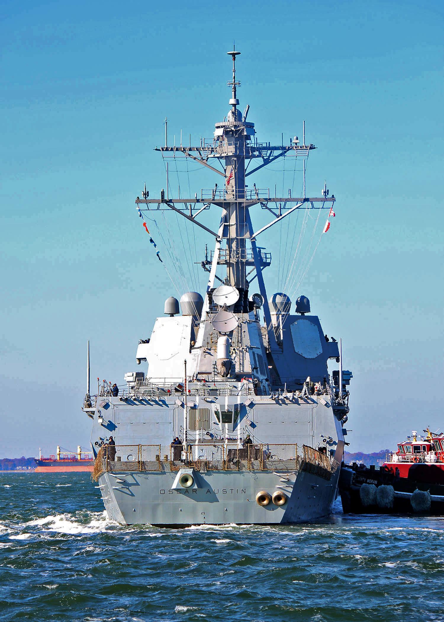 USS OSCAR AUSTIN DDG-79 Auslaufen Norfolk am 21.11.2014 Bild: U.S. Navy