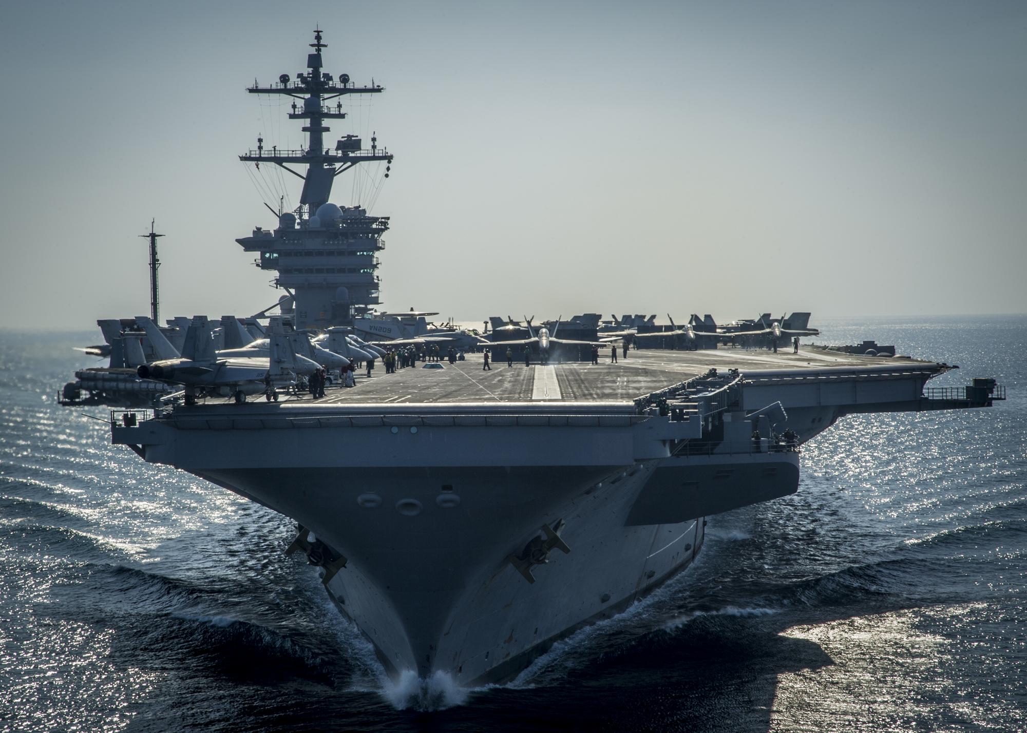 USS CARL VINSON CVN-70 am 08.12.2014 im Arabischen Meer Bild: U.S. Navy